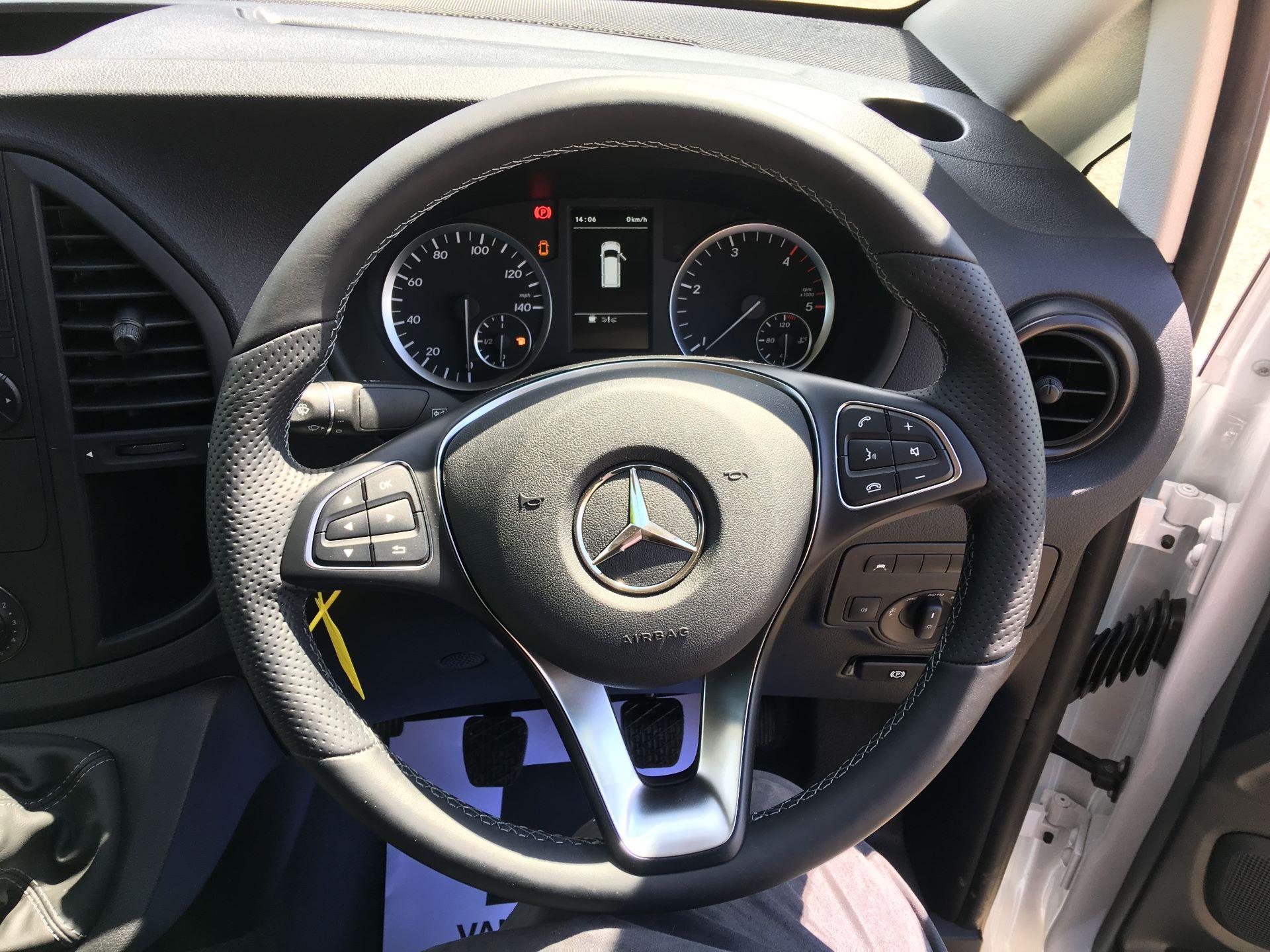 2019 Mercedes-Benz Vito LONG 111 CDI VAN EURO 5/6 (YM19HFY) Image 5