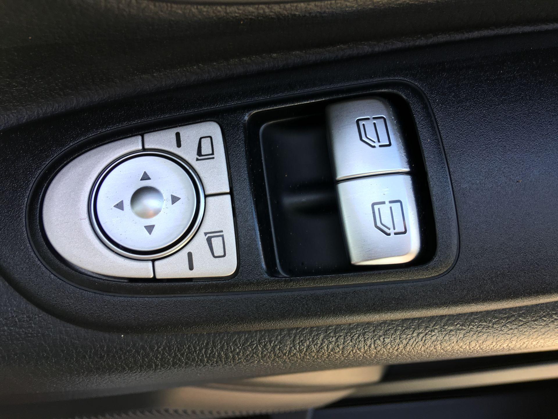 2019 Mercedes-Benz Vito LONG 111 CDI VAN EURO 5/6 (YM19HFY) Image 9
