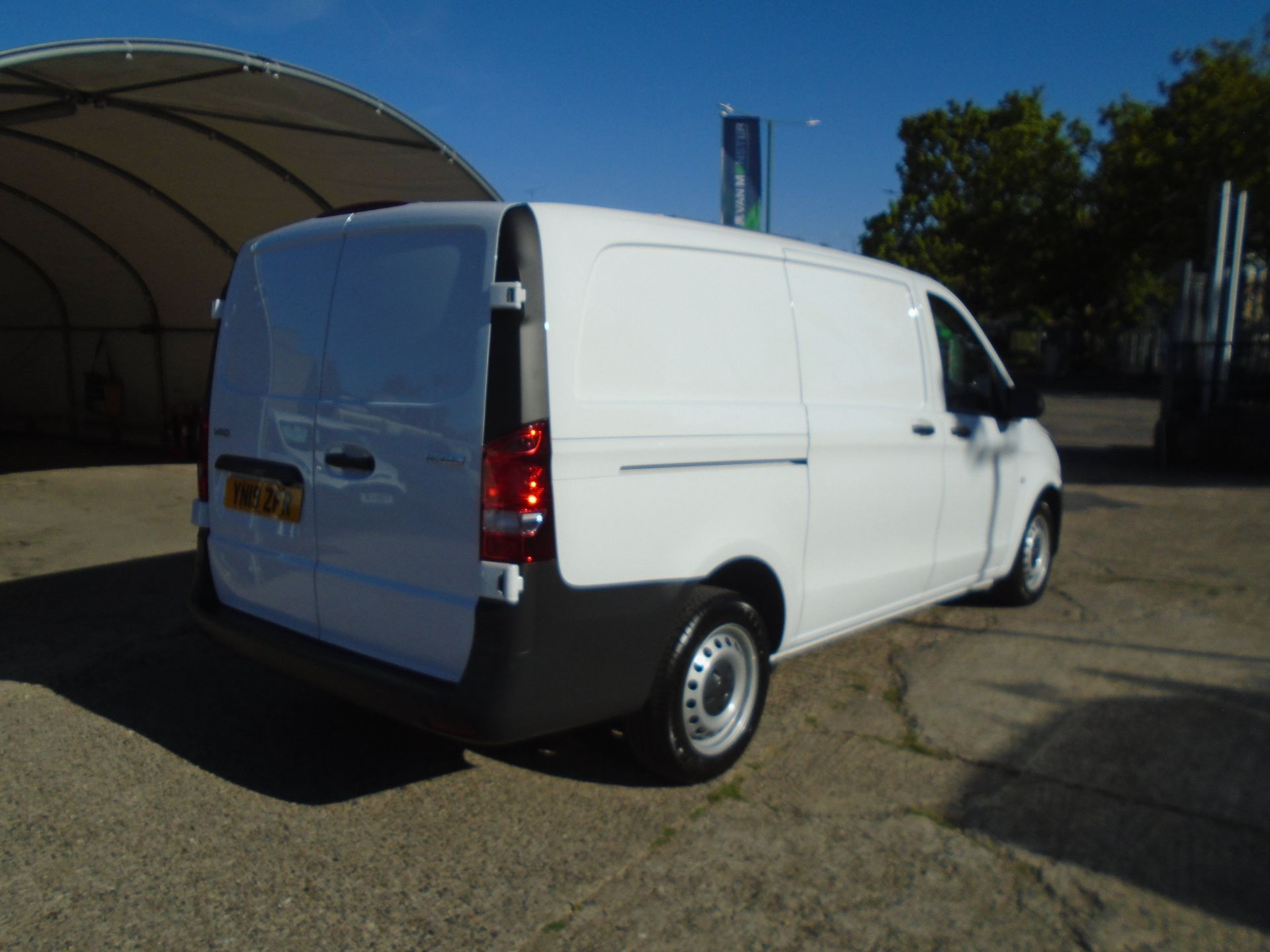 2019 Mercedes-Benz Vito  111Cdi Van Euro 6 Massive specification A/C Air Con, Delivery Miles Only (YN19ZFR) Image 6