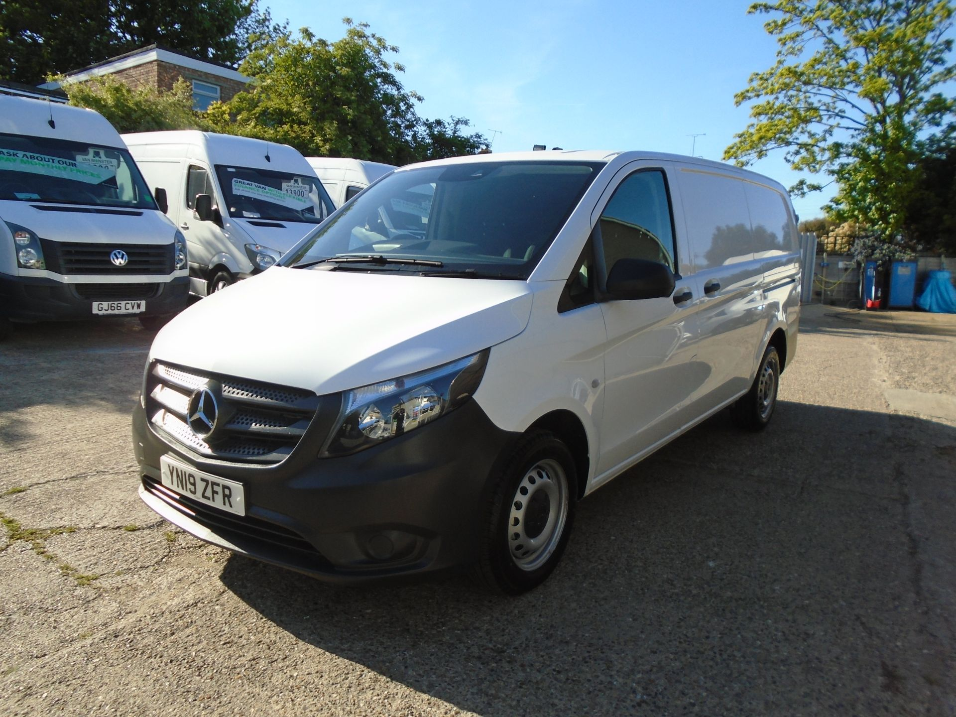 2019 Mercedes-Benz Vito  111Cdi Van Euro 6 Massive specification A/C Air Con, Delivery Miles Only (YN19ZFR) Image 3