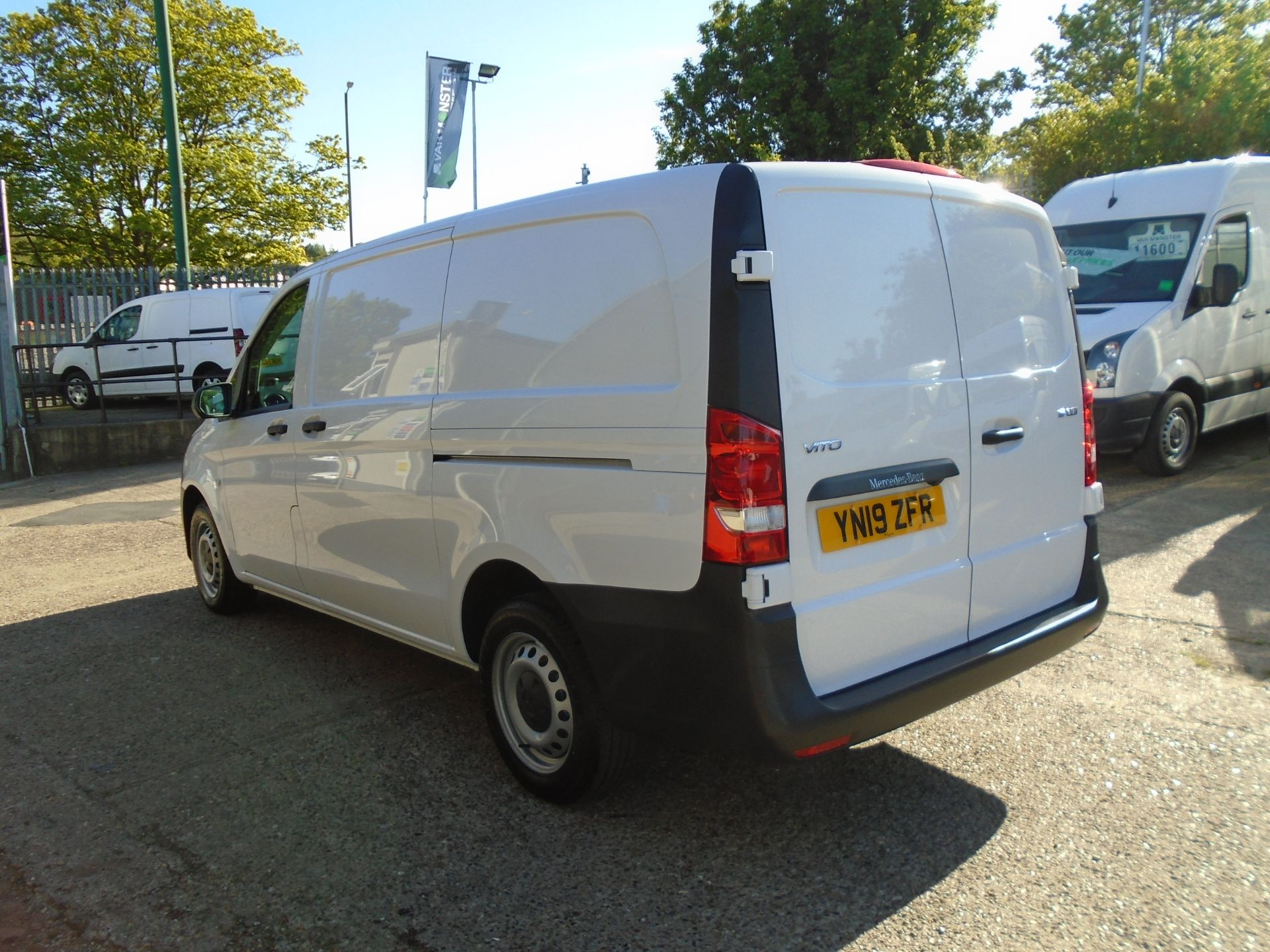 2019 Mercedes-Benz Vito  111Cdi Van Euro 6 Massive specification A/C Air Con, Delivery Miles Only (YN19ZFR) Image 4