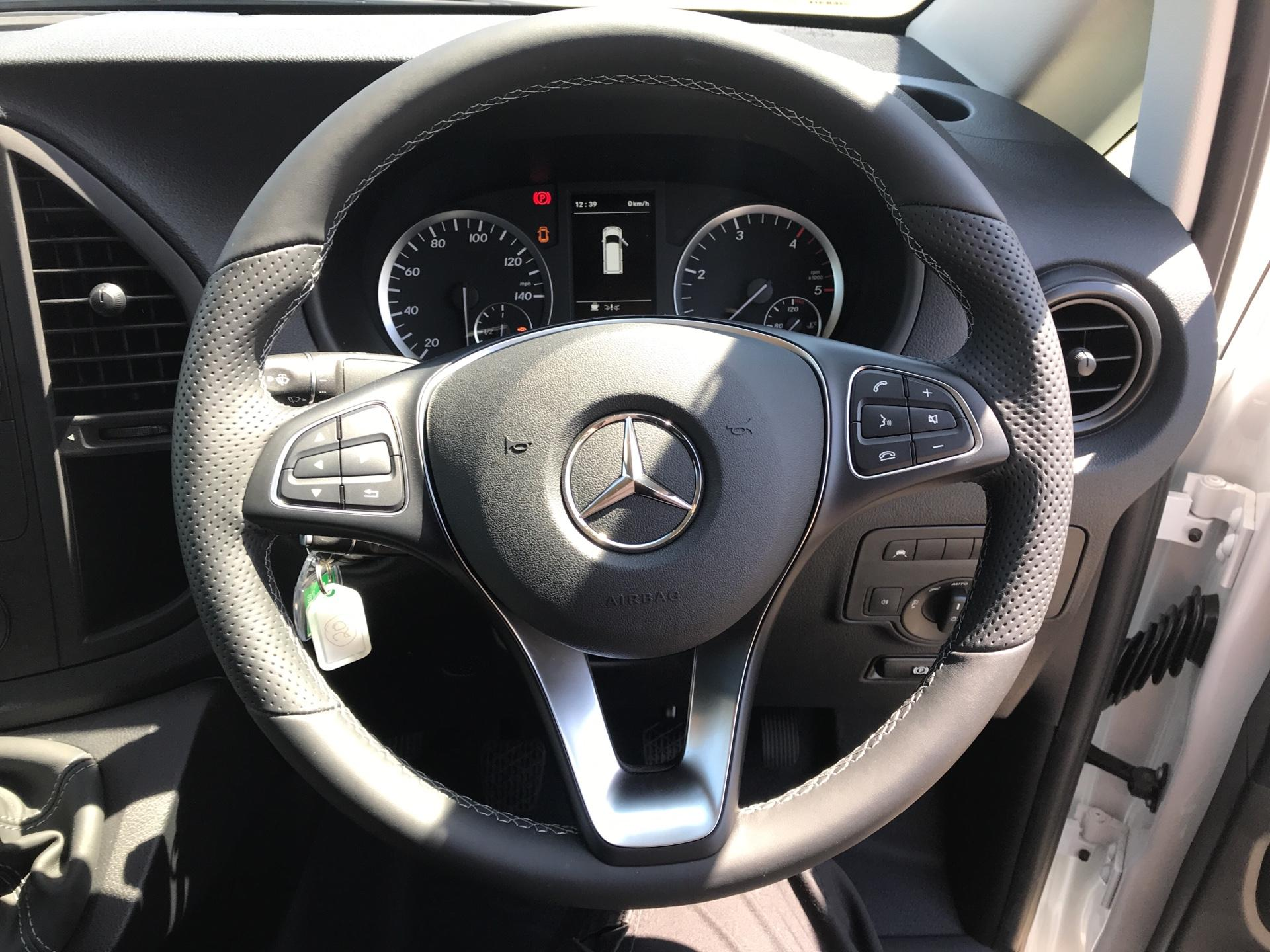 2019 Mercedes-Benz Vito 111Cdi Van Euro 6 Massive specification A/C (YN19ZFW) Image 12