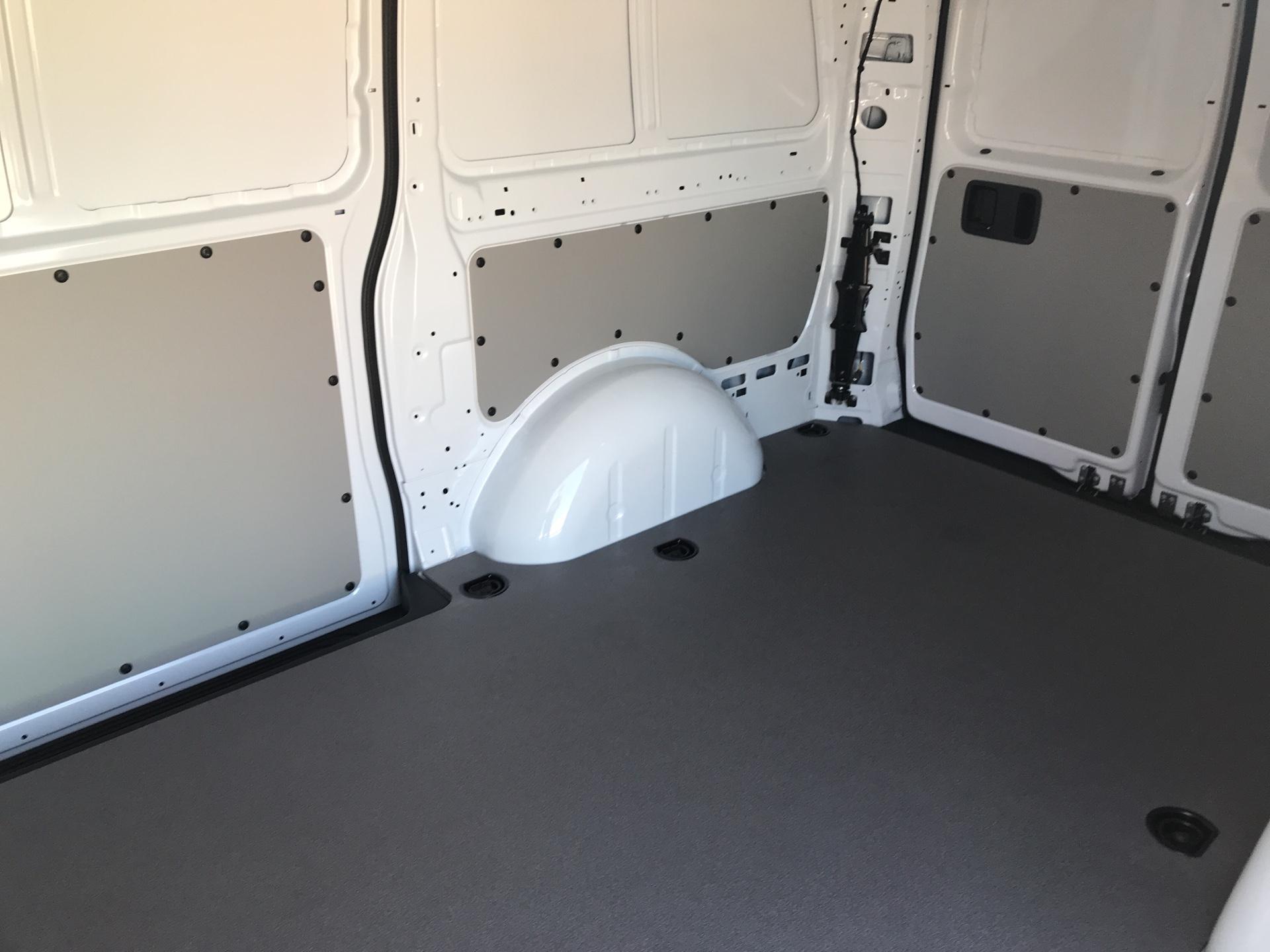 2019 Mercedes-Benz Vito 111Cdi Van Euro 6 Massive specification A/C (YN19ZFW) Image 16