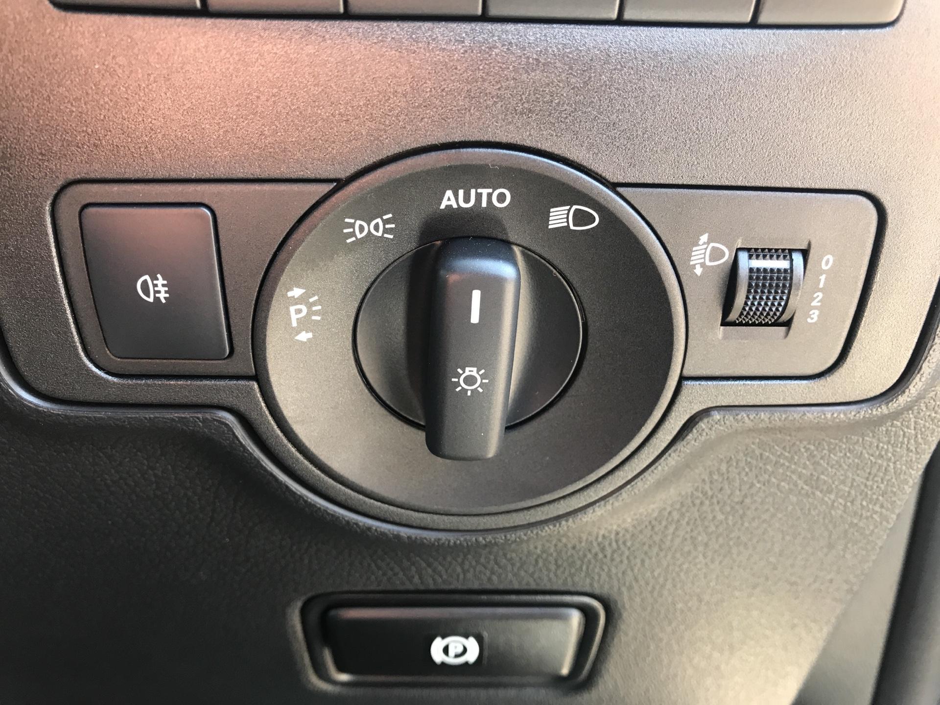 2019 Mercedes-Benz Vito 111Cdi Van Euro 6 Massive specification A/C (YN19ZFW) Image 23