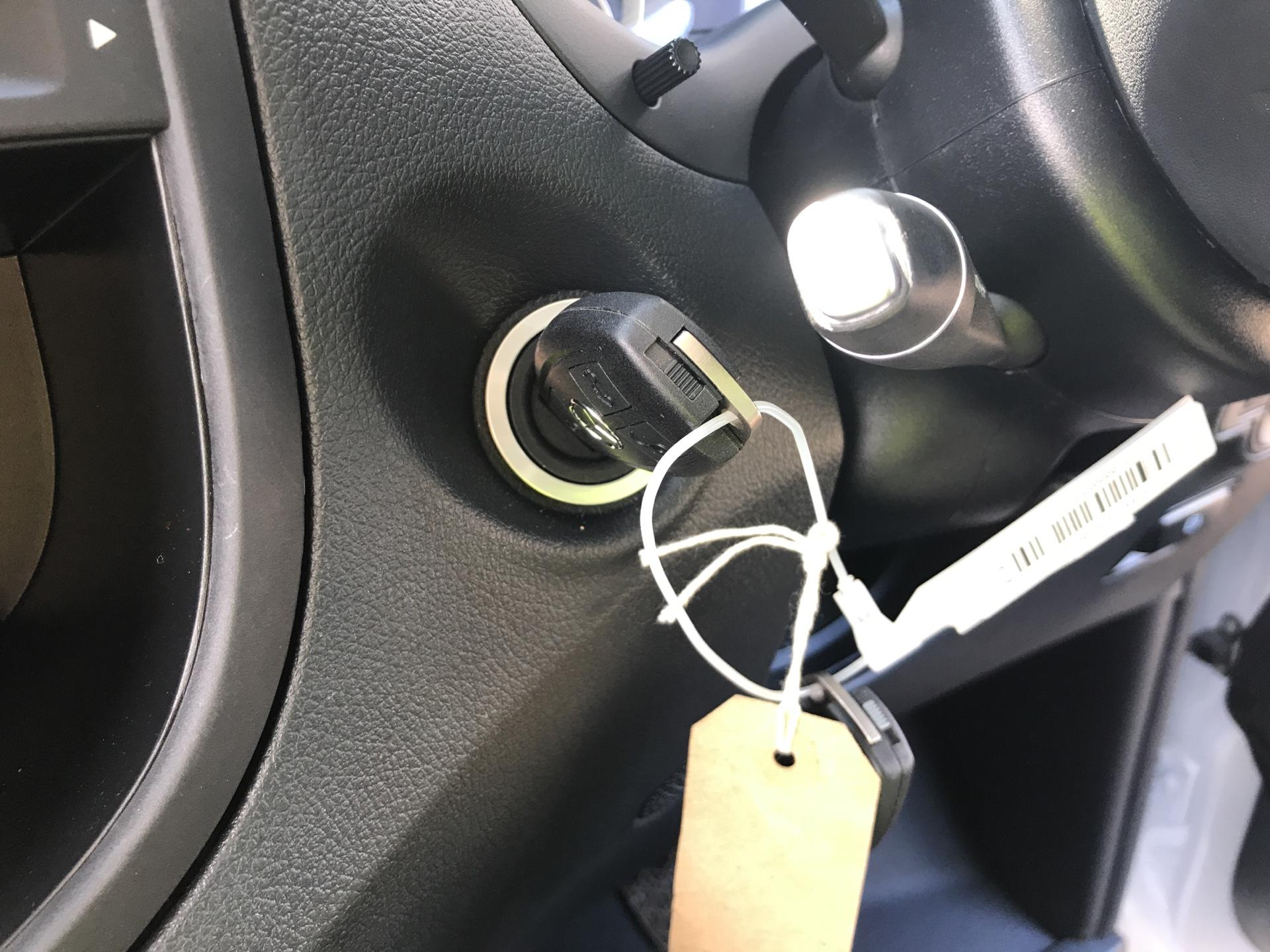 2019 Mercedes-Benz Vito LONG 111CDI VAN EURO 6  (YN19ZGD) Image 20
