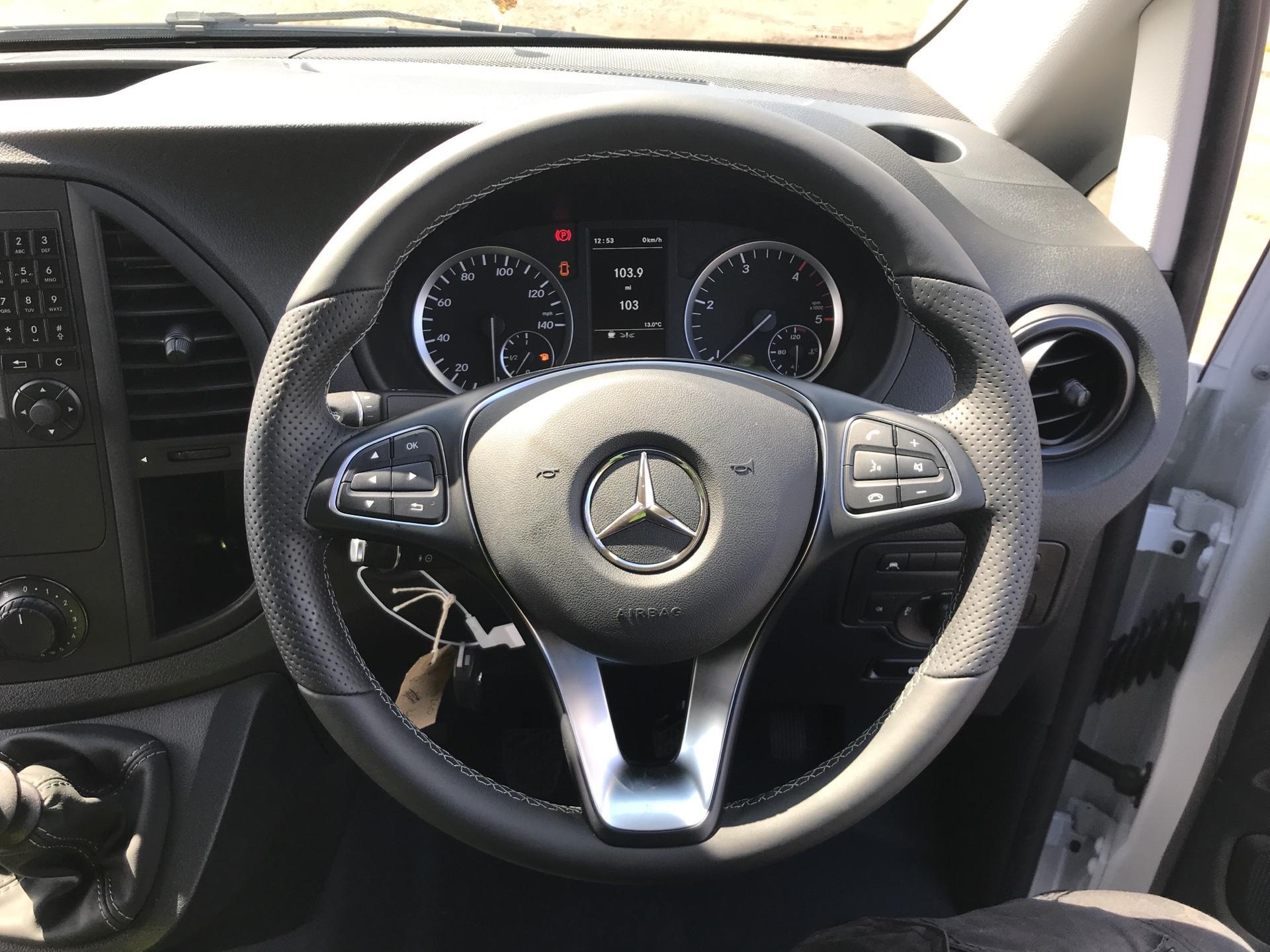 2019 Mercedes-Benz Vito LONG 111CDI VAN EURO 6  (YN19ZGD) Image 12