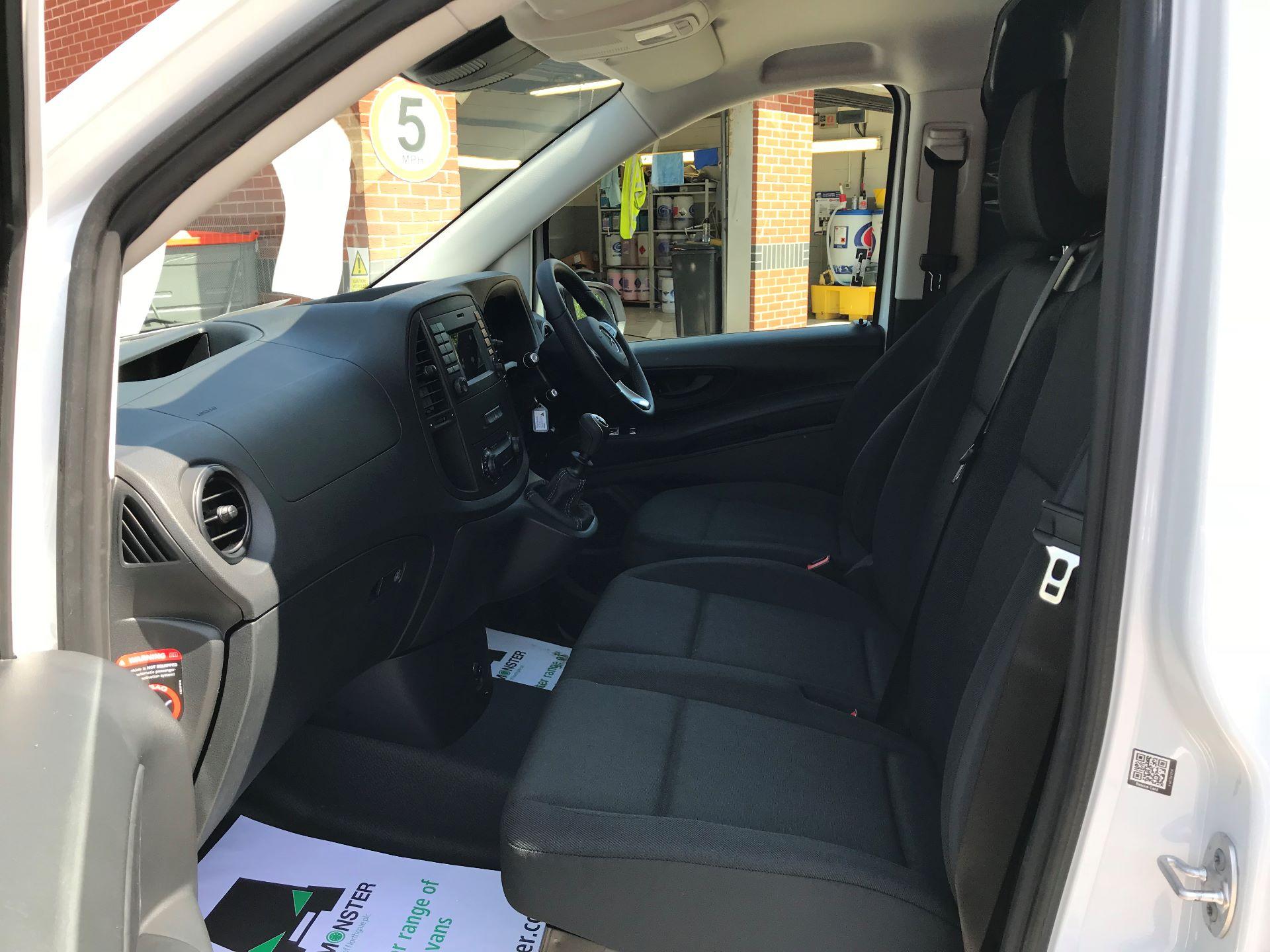 2019 Mercedes-Benz Vito 111CDI LWB 110PS EURO 6, AIR CON (YN19ZGH) Image 16