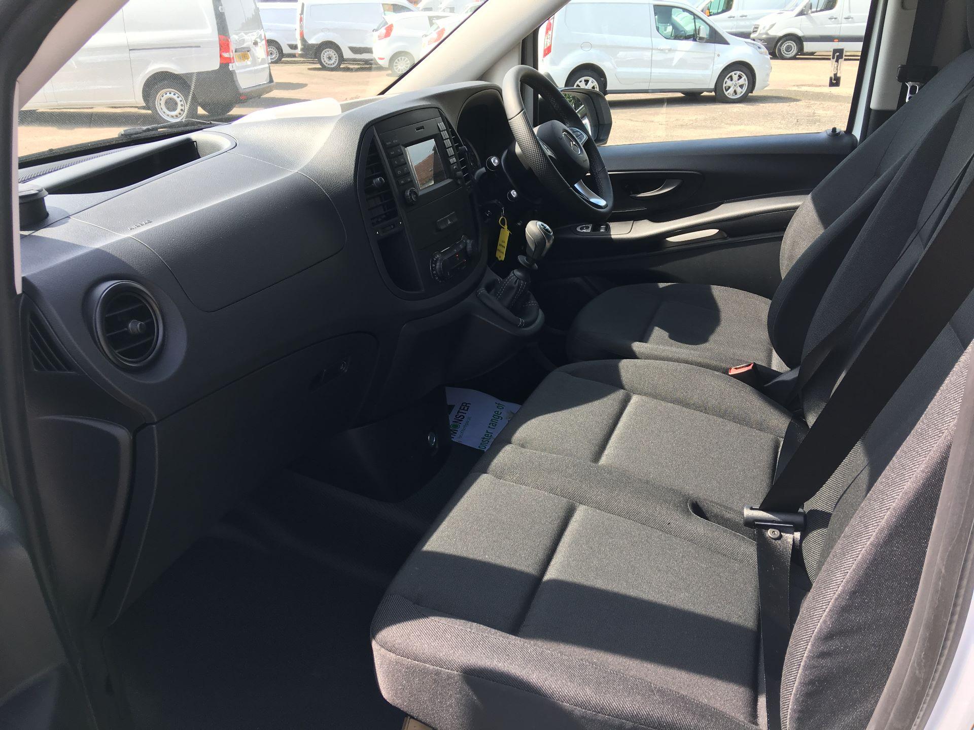 2019 Mercedes-Benz Vito LONG 111 CDI VAN EURO 5/6 (YN19ZGM) Image 17