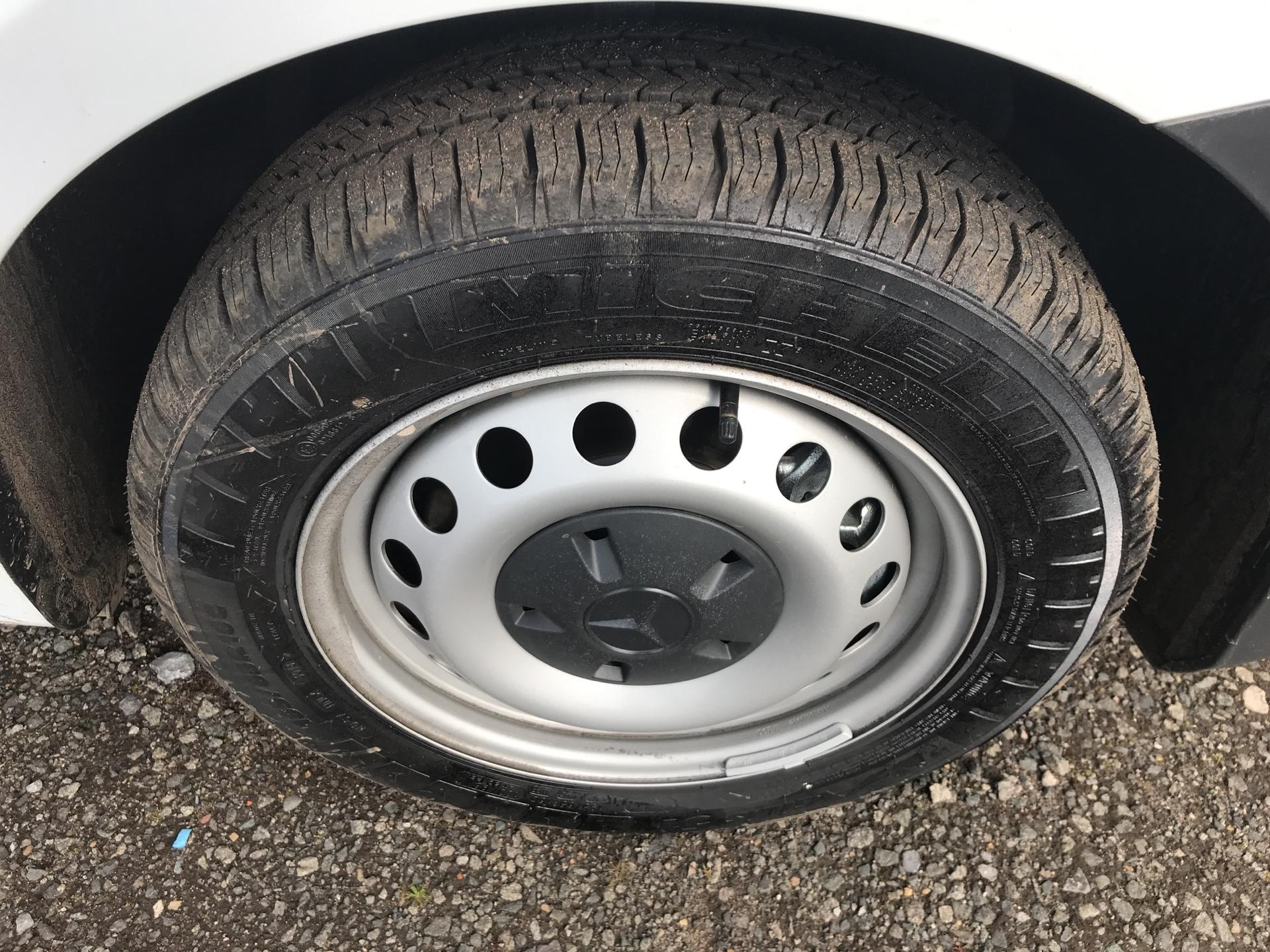 2019 Mercedes-Benz Vito LONG 111CDI VAN EURO 6  (YN19ZGP) Image 19
