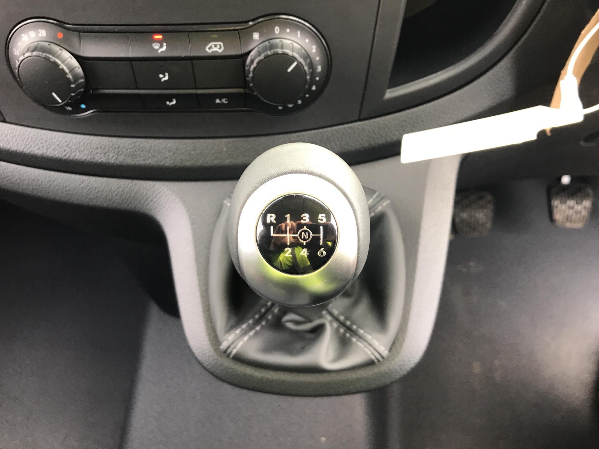 2019 Mercedes-Benz Vito LONG 111CDI VAN EURO 6  (YN19ZGP) Image 11