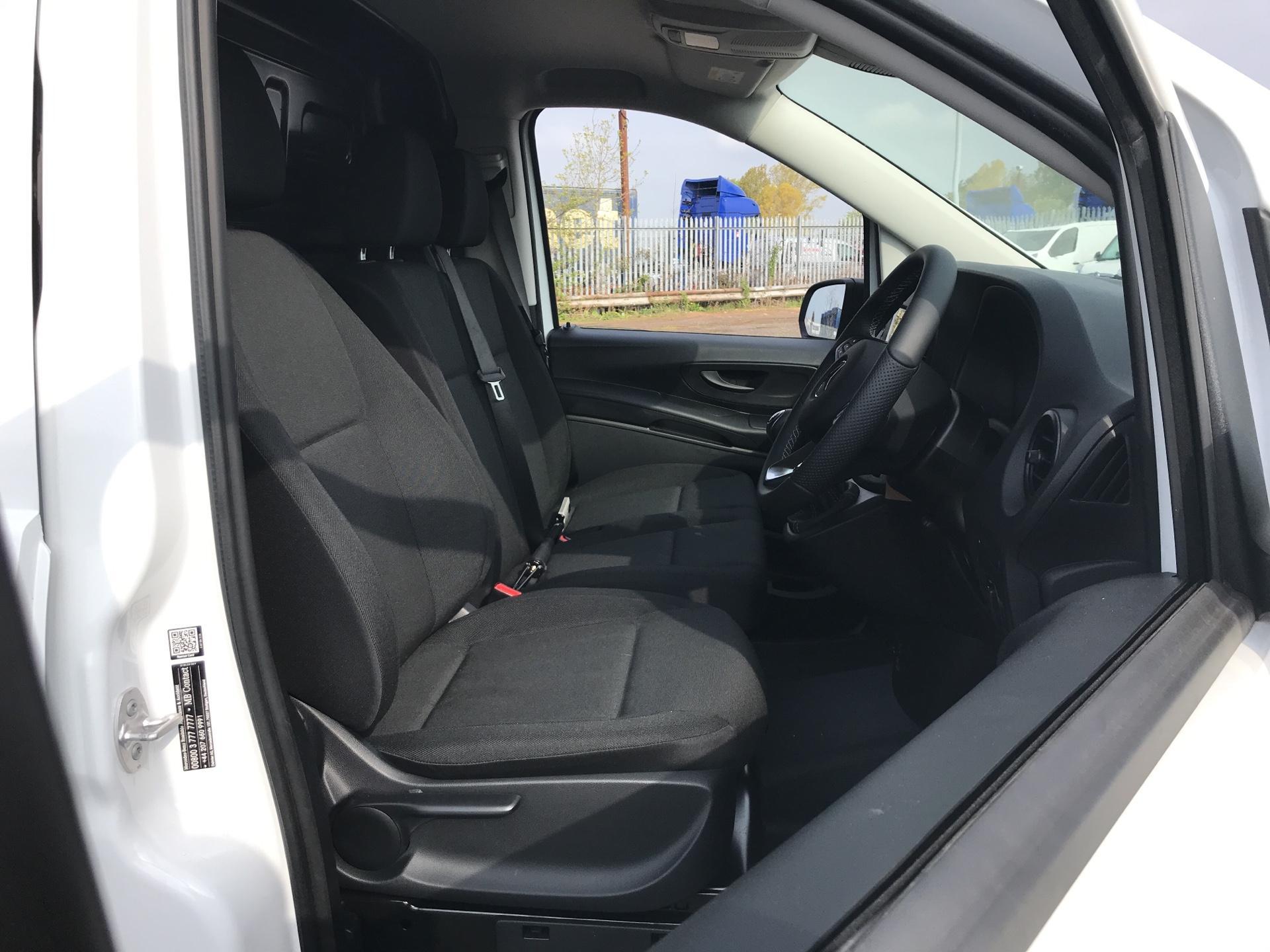2019 Mercedes-Benz Vito LONG 111CDI VAN EURO 6  (YN19ZGP) Image 9