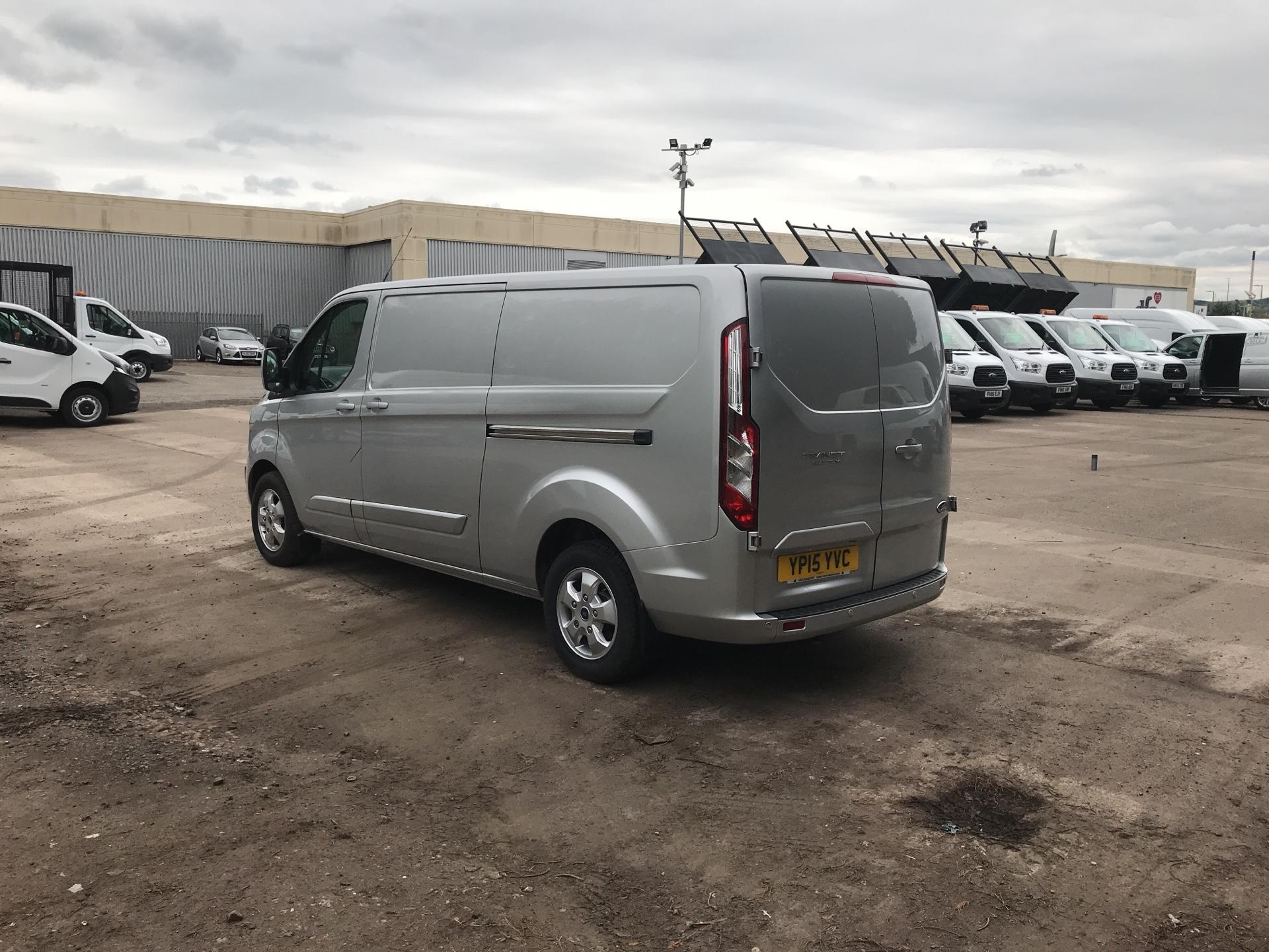 2015 Ford Transit Custom 290 L2 DIESEL FWD 2.2 TDCI 125PS LOW ROOF LIMITED VAN EURO 5 (YP15YVC) Image 5