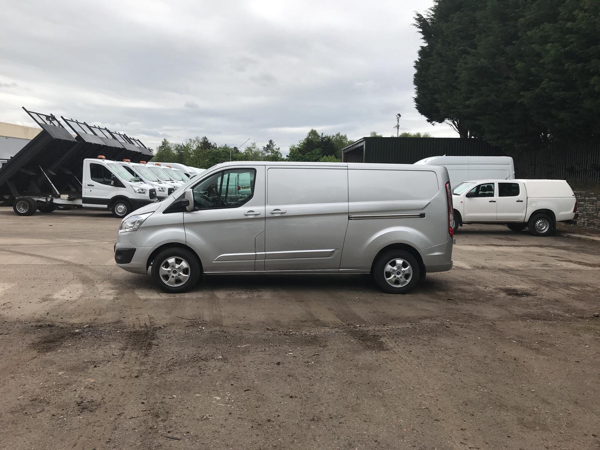 2015 Ford Transit Custom 290 L2 DIESEL FWD 2.2 TDCI 125PS LOW ROOF LIMITED VAN EURO 5 (YP15YVC) Image 6