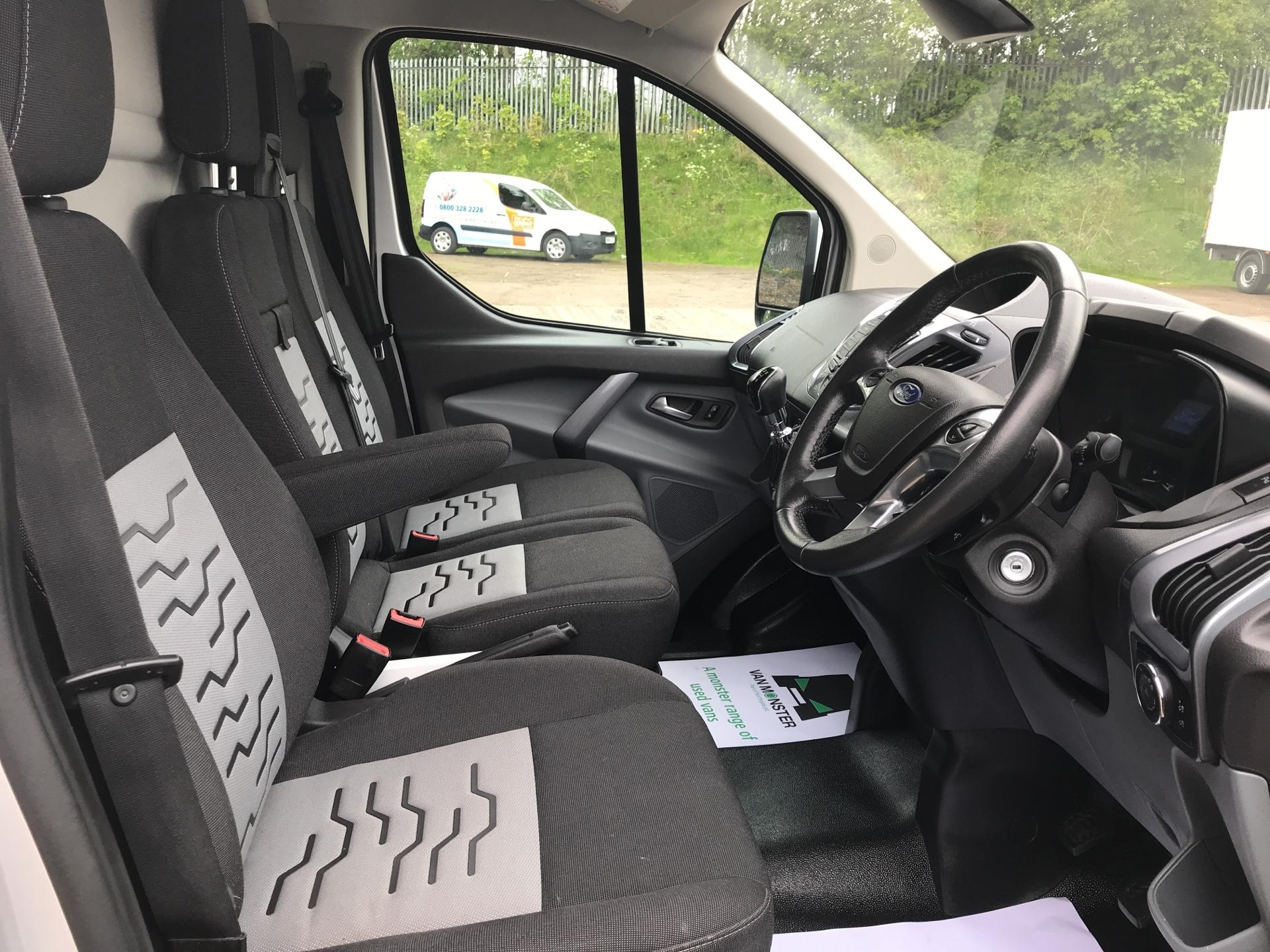 2015 Ford Transit Custom 290 L2 DIESEL FWD 2.2 TDCI 125PS LOW ROOF LIMITED VAN EURO 5 (YP15YVC) Image 9