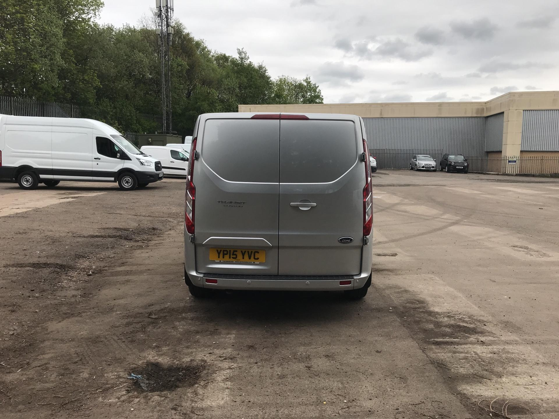 2015 Ford Transit Custom 290 L2 DIESEL FWD 2.2 TDCI 125PS LOW ROOF LIMITED VAN EURO 5 (YP15YVC) Image 4