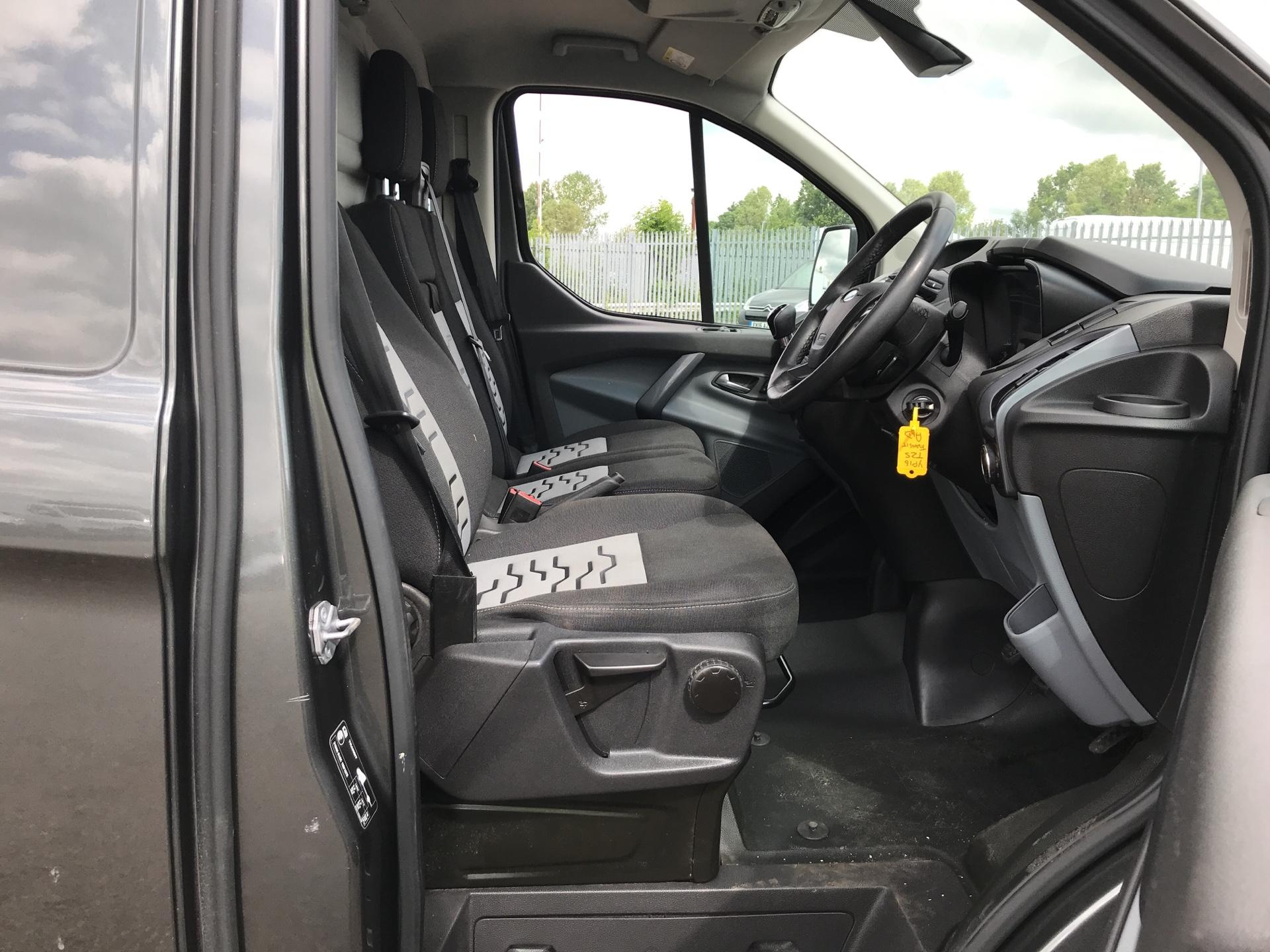 2016 Ford Transit Custom 290 L1 DIESEL FWD 2.2 TDCI 125PS LOW ROOF LIMITED VAN EURO 5 (YP16TZS) Image 9