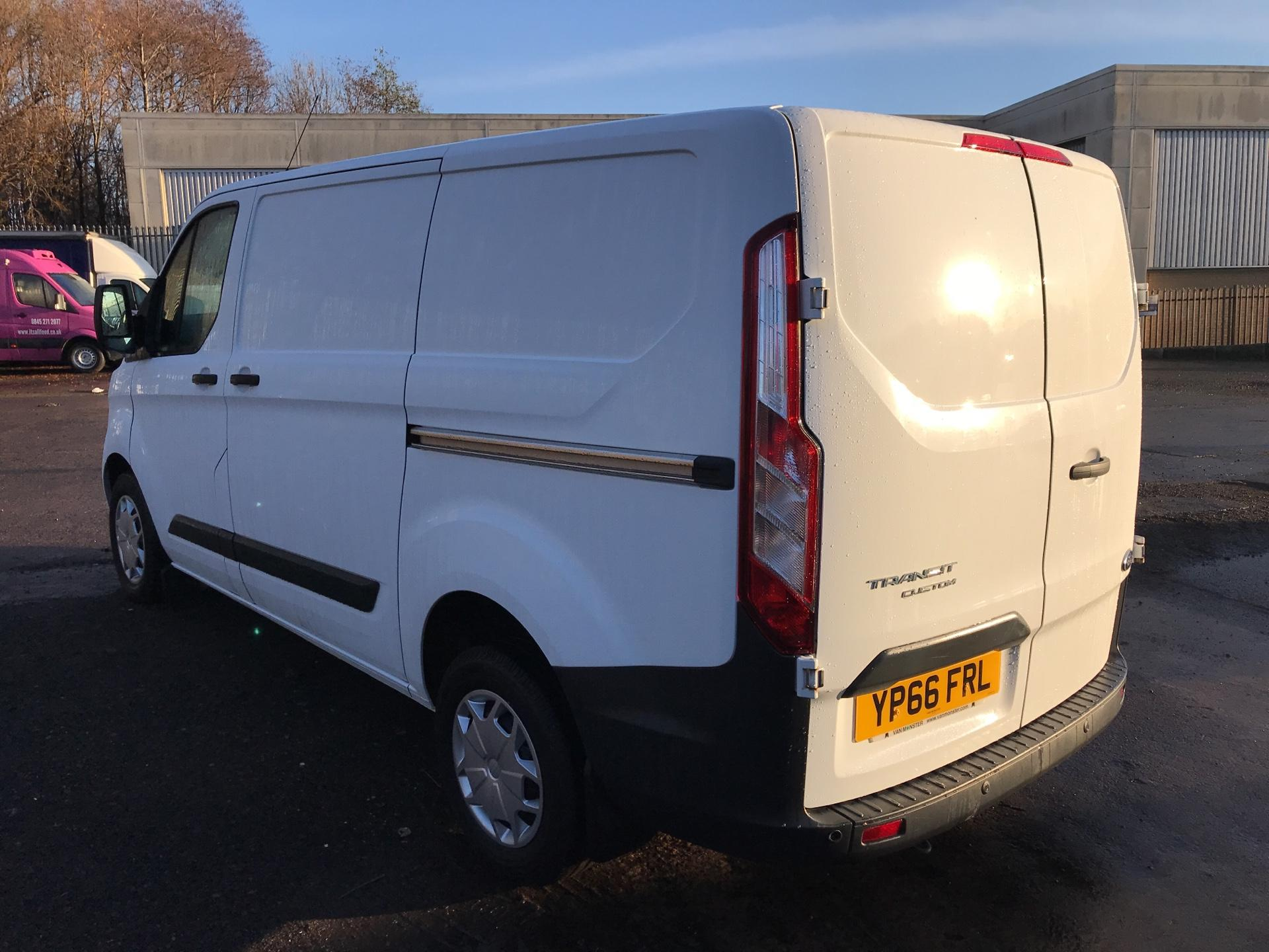 2016 Ford Transit Custom 270 L1 DIESEL FWD 2.2 TDCI 125PS LOW ROOF TREND EURO 5 (YP66FRL) Image 5