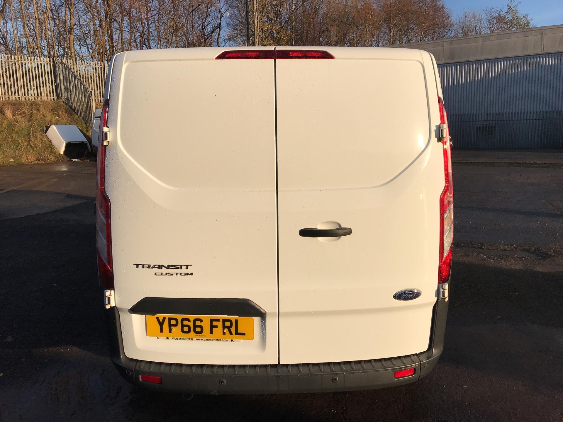 2016 Ford Transit Custom 270 L1 DIESEL FWD 2.2 TDCI 125PS LOW ROOF TREND EURO 5 (YP66FRL) Image 4
