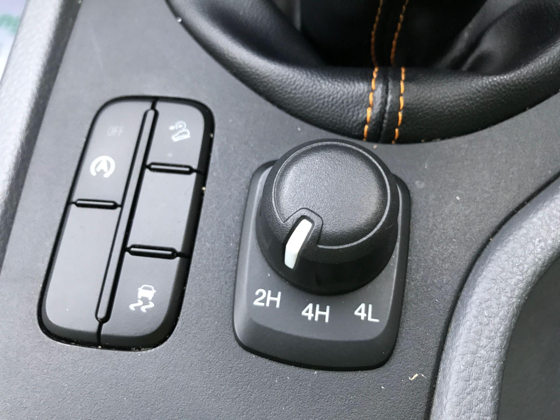 2017 Ford Ranger DOUBLE CAB 4X4 WILDTRAK 3.2TDI 200PS EURO 5 (YR67AKO) Image 28