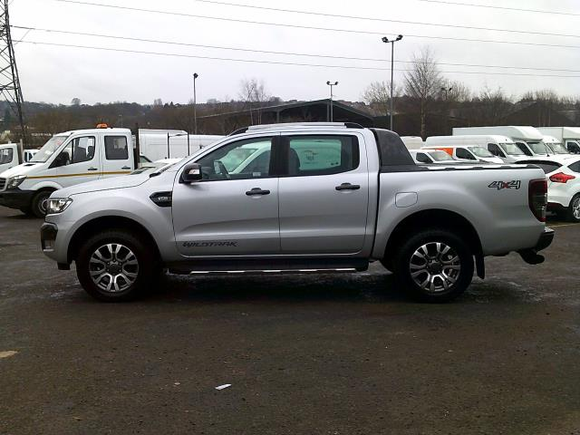 2017 Ford Ranger PICK UP  DOUBLE CAB WILDTRACK 3.2 TDCI 200 EURO 6 (YR67JYW) Image 4