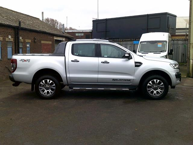 2017 Ford Ranger PICK UP  DOUBLE CAB WILDTRACK 3.2 TDCI 200 EURO 6 (YR67JYW) Image 12