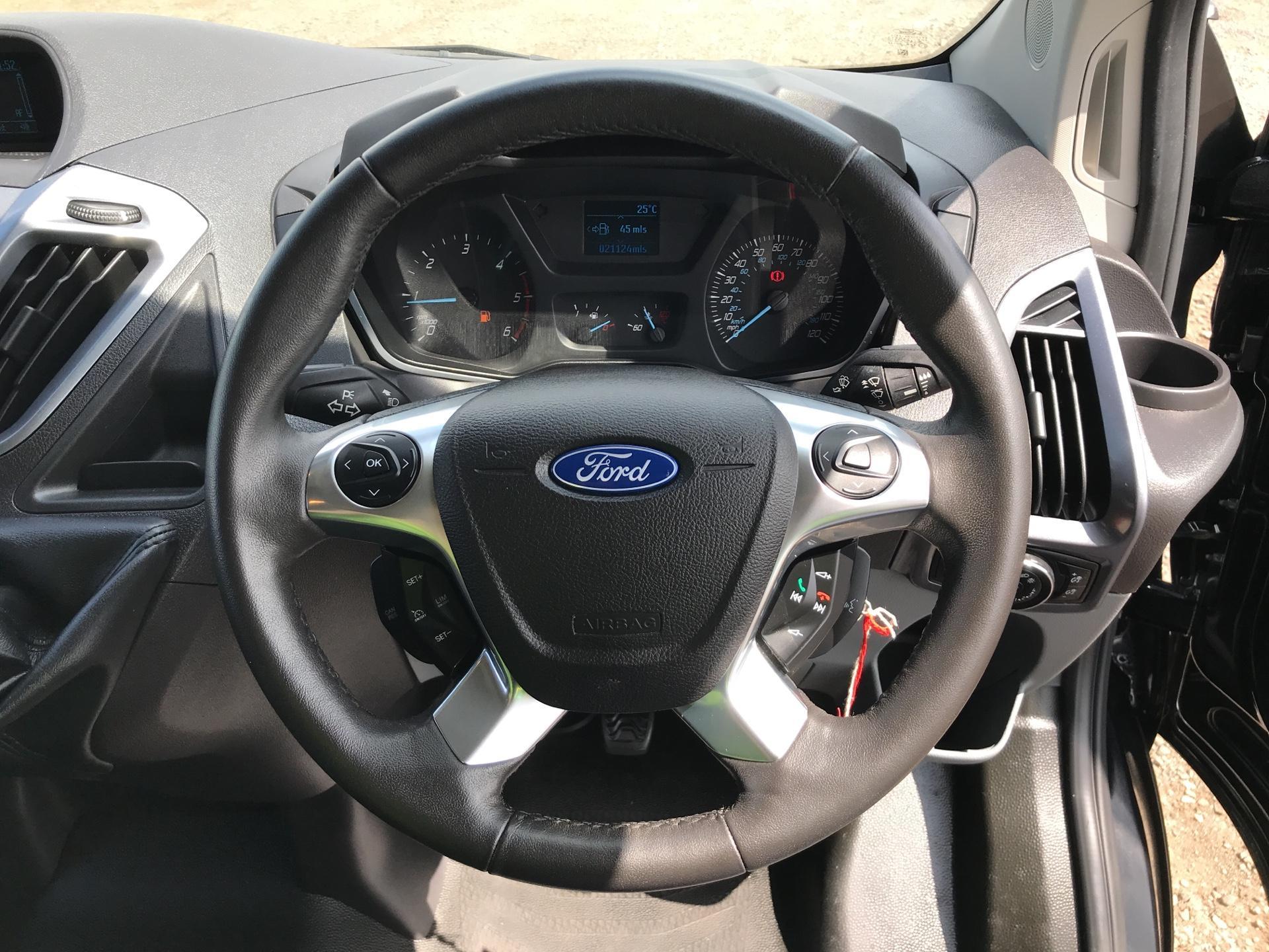 2016 Ford Transit Custom 290 L1 DIESEL FWD2.2 TDCI 125PS LOW ROOF LTD VAN EURO 5 (YS16ZSF) Image 12