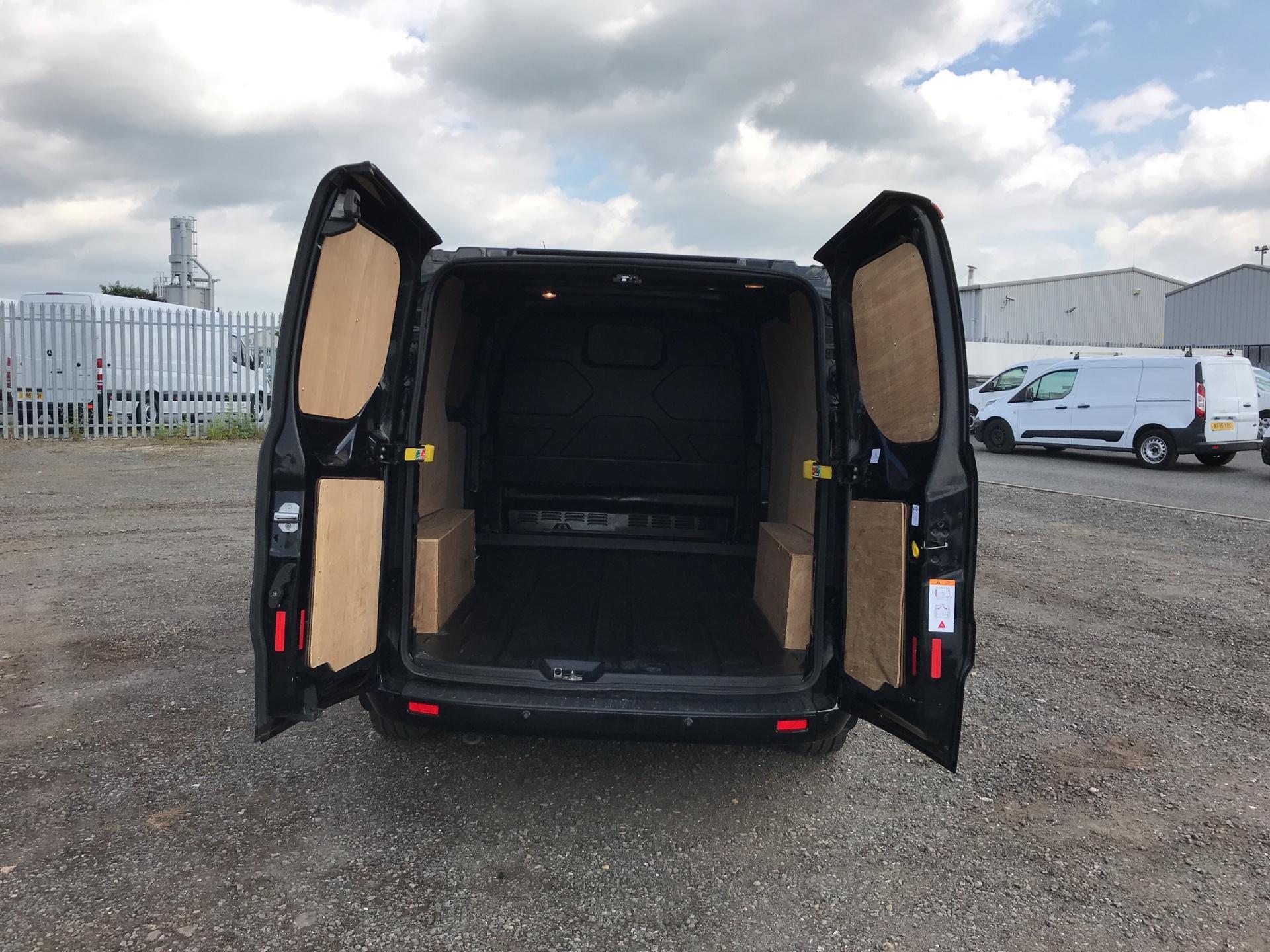 2016 Ford Transit Custom 290 L1 DIESEL FWD2.2 TDCI 125PS LOW ROOF LTD VAN EURO 5 (YS16ZSF) Image 18