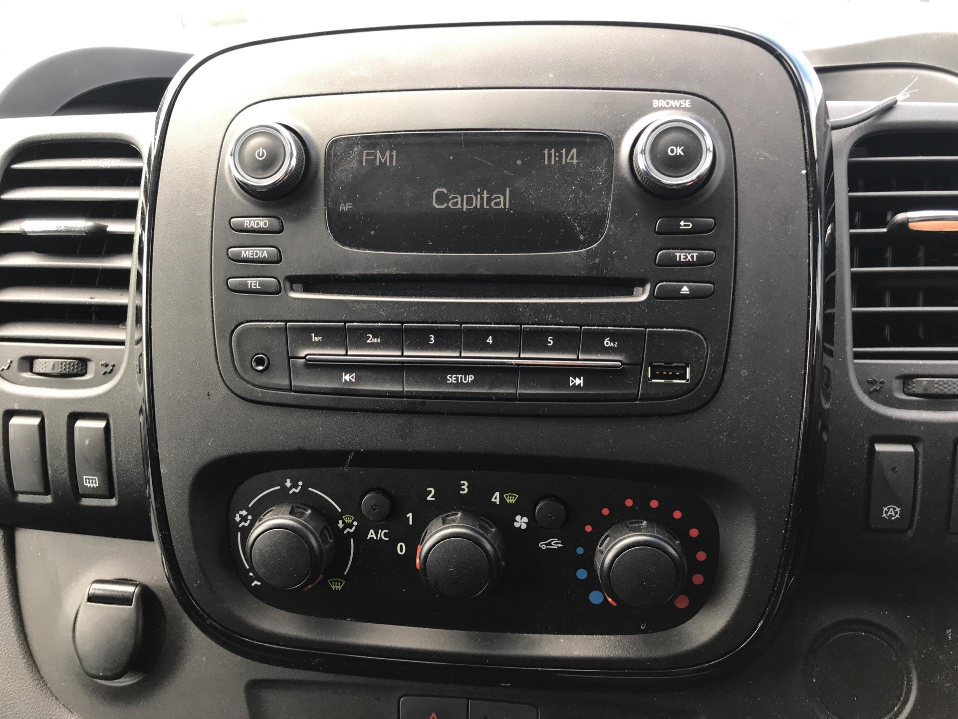 2017 Vauxhall Vivaro L2 H1 2900 1.6 115PS SPORTIVE BITURBO  EURO 5 (YS17GKK) Image 10