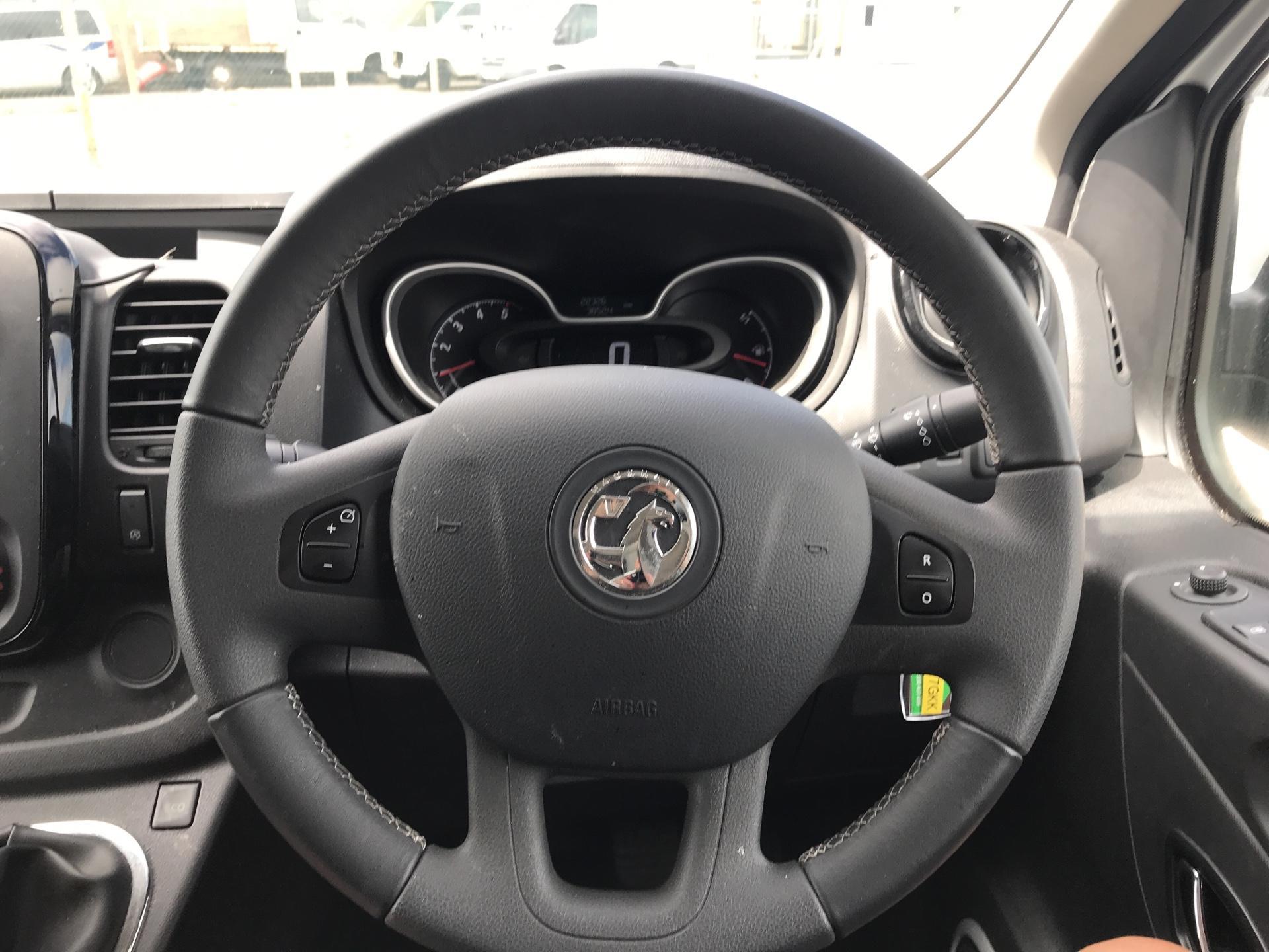 2017 Vauxhall Vivaro L2 H1 2900 1.6 115PS SPORTIVE BITURBO  EURO 5 (YS17GKK) Image 12