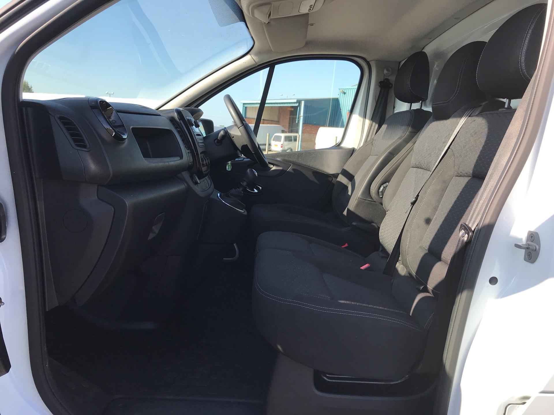 2017 Vauxhall Vivaro L2 H1 2900 1.6 115PS  BITURBO SPORTIVE  EURO 5 (YS17GKY) Image 14