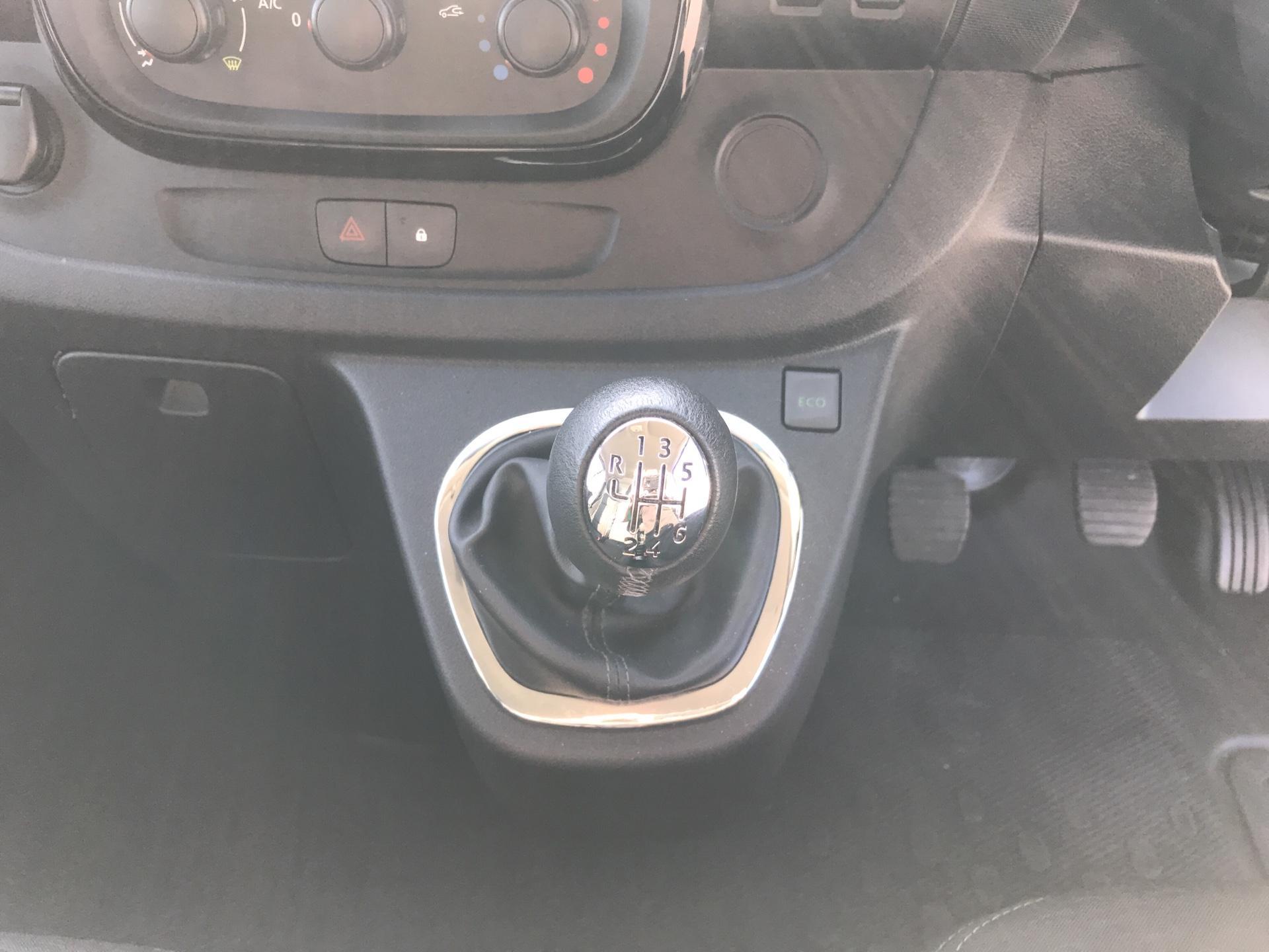 2017 Vauxhall Vivaro L2 H1 2900 1.6 115PS  BITURBO SPORTIVE  EURO 5 (YS17GKY) Image 11