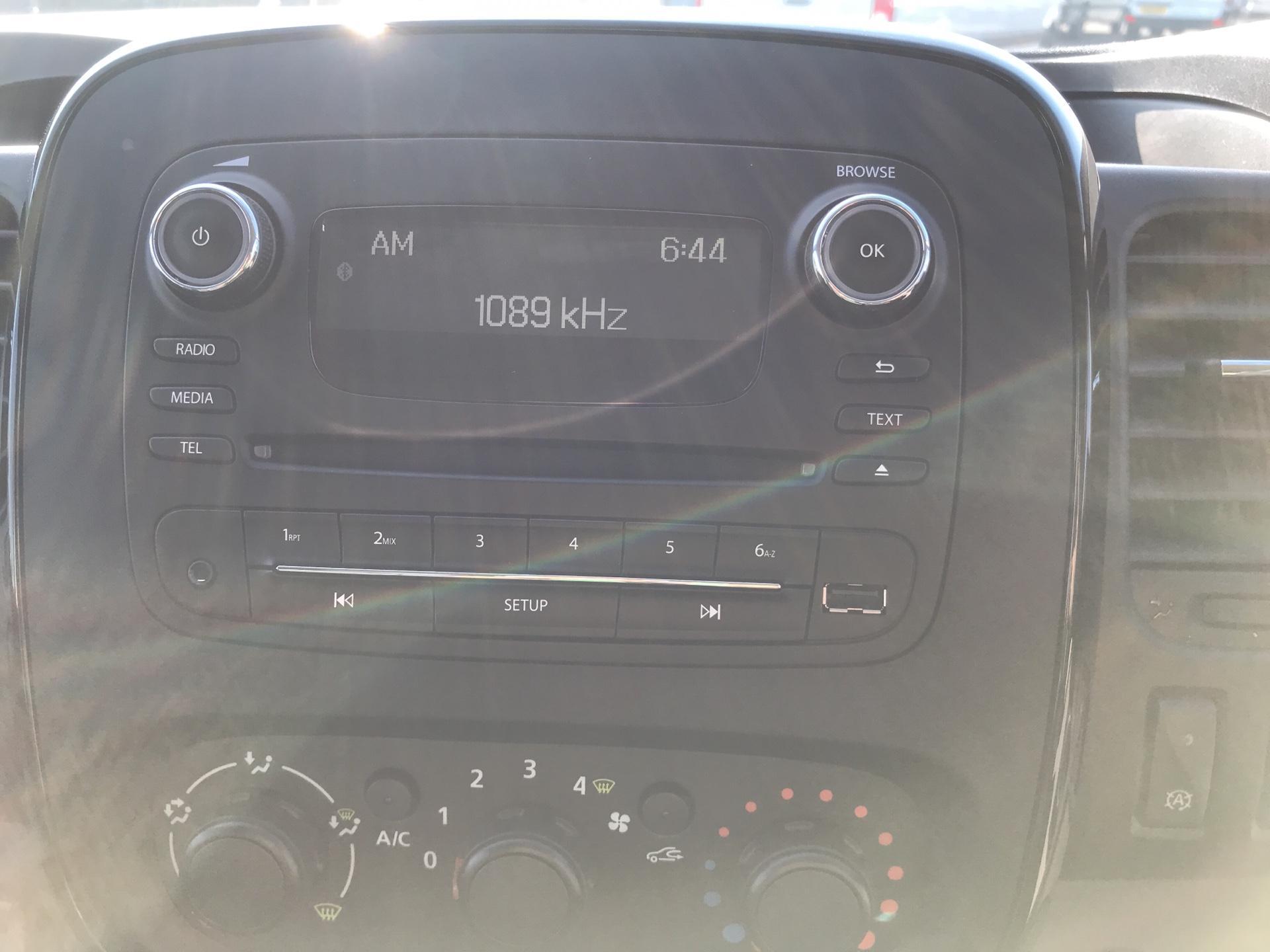 2017 Vauxhall Vivaro L2 H1 2900 1.6 115PS  BITURBO SPORTIVE  EURO 5 (YS17GKY) Image 10