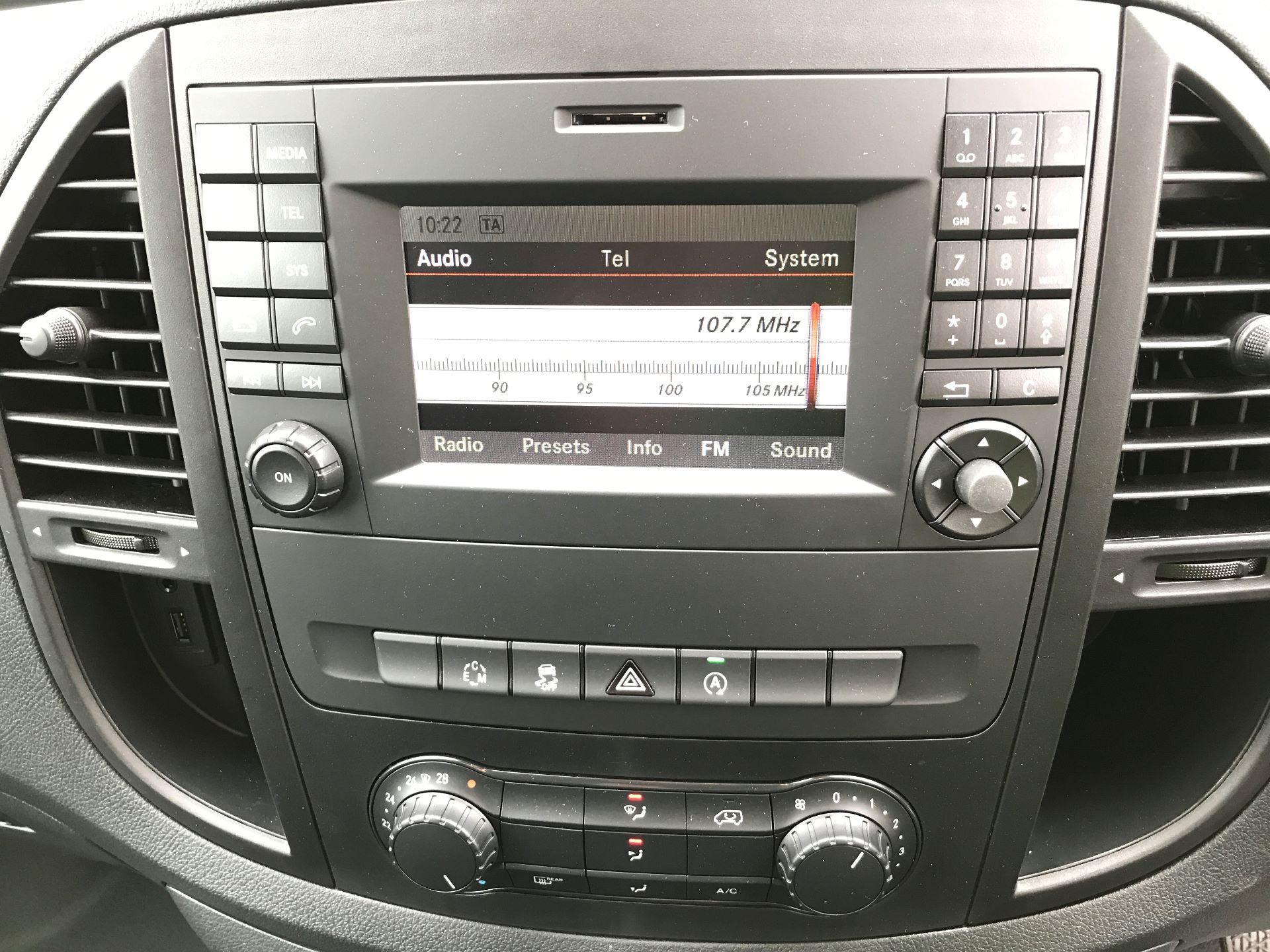 2018 Mercedes-Benz Vito 119CDI COMPACT BLUETECH 190PS DUALINER SPORT AUTOMATIC EURO 6 (YS18KAJ) Image 3
