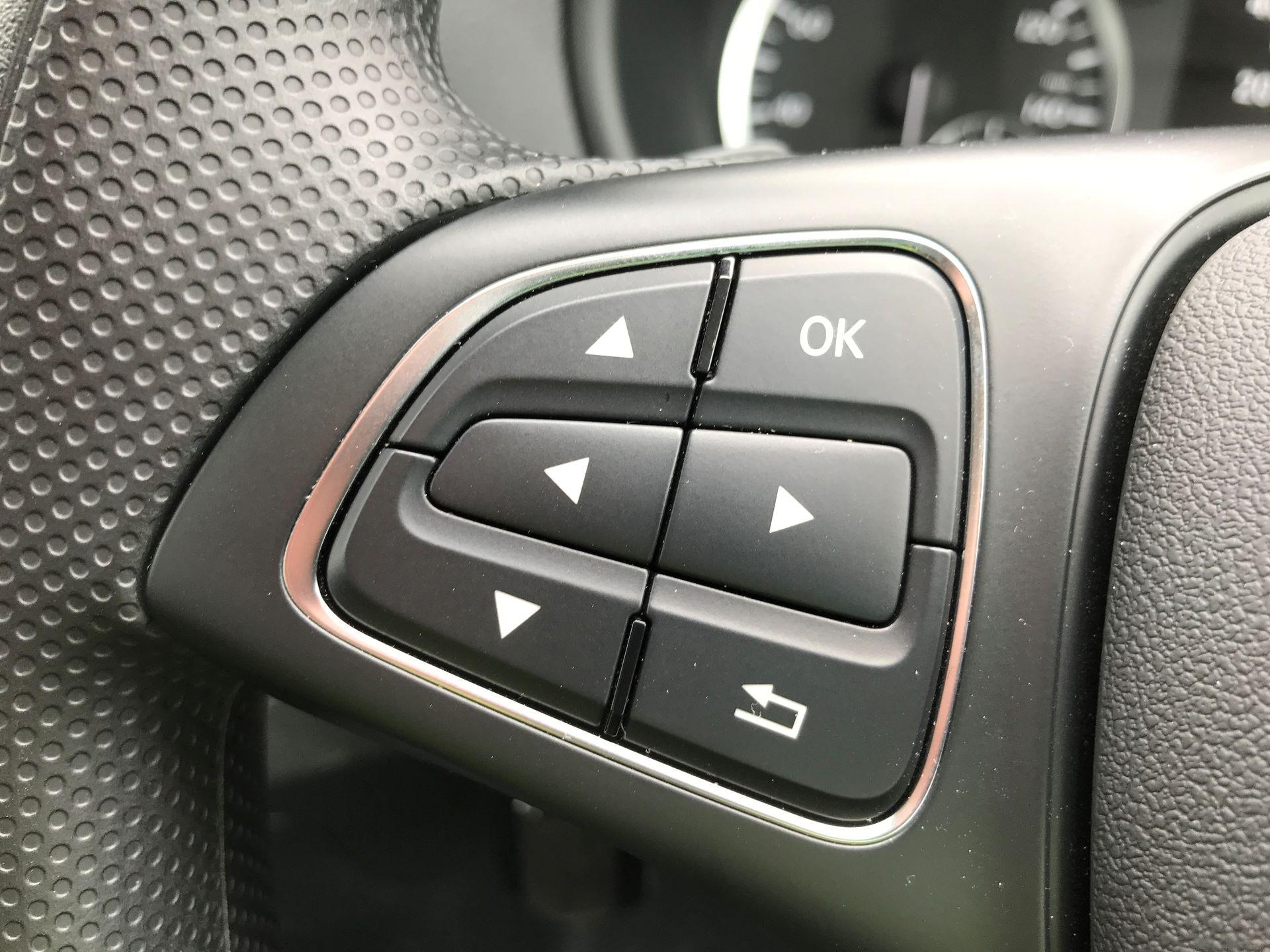 2018 Mercedes-Benz Vito 119CDI COMPACT BLUETECH 190PS DUALINER SPORT AUTOMATIC EURO 6 (YS18KAJ) Image 26