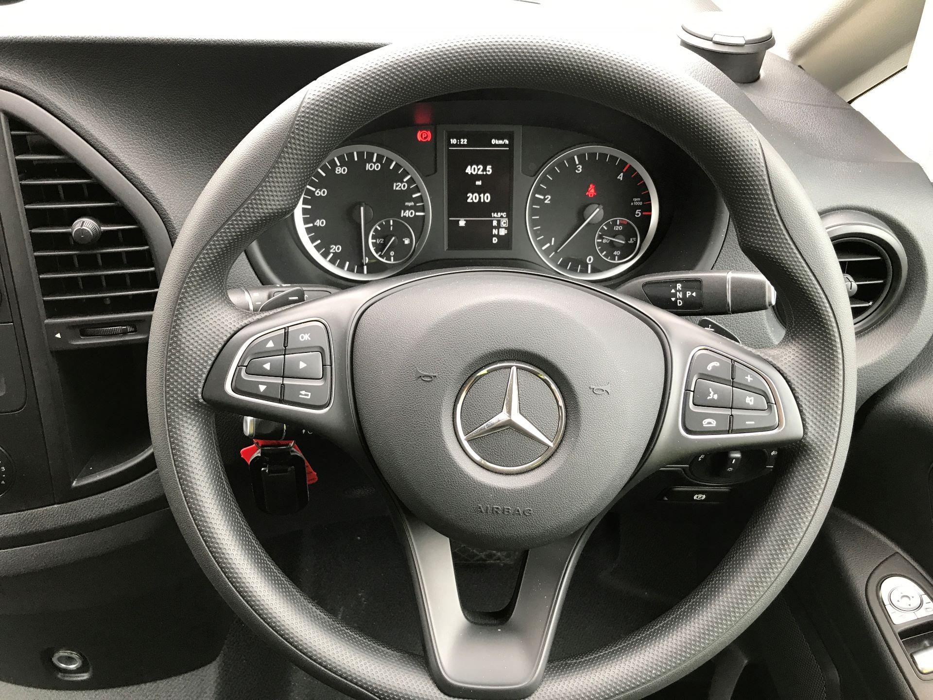 2018 Mercedes-Benz Vito 119CDI COMPACT BLUETECH 190PS DUALINER SPORT AUTOMATIC EURO 6 (YS18KAJ) Image 4