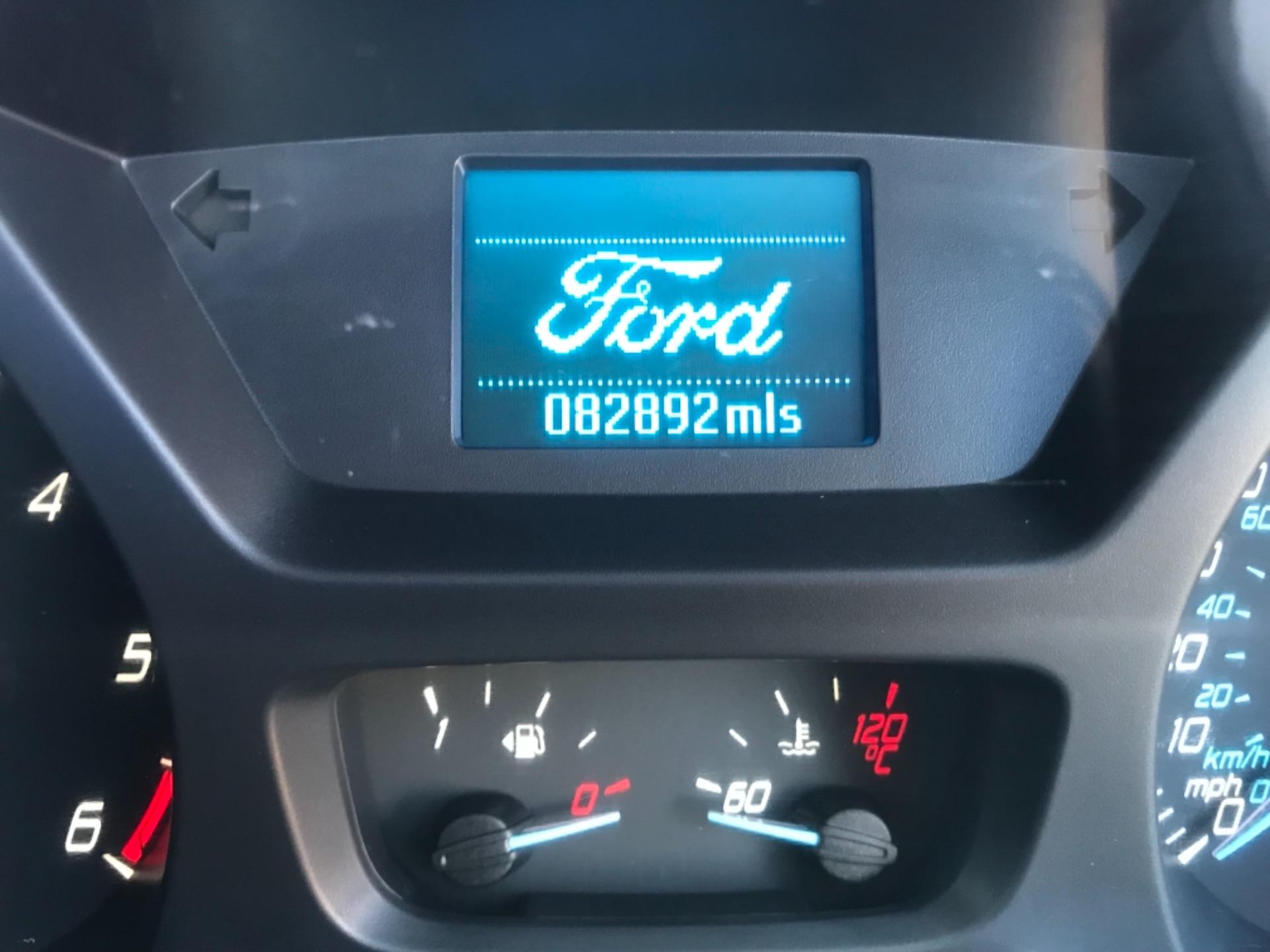 2016 Ford Transit 2.2 Tdci 125Ps Dropside DRW Tail lift (YS66SNU) Image 12