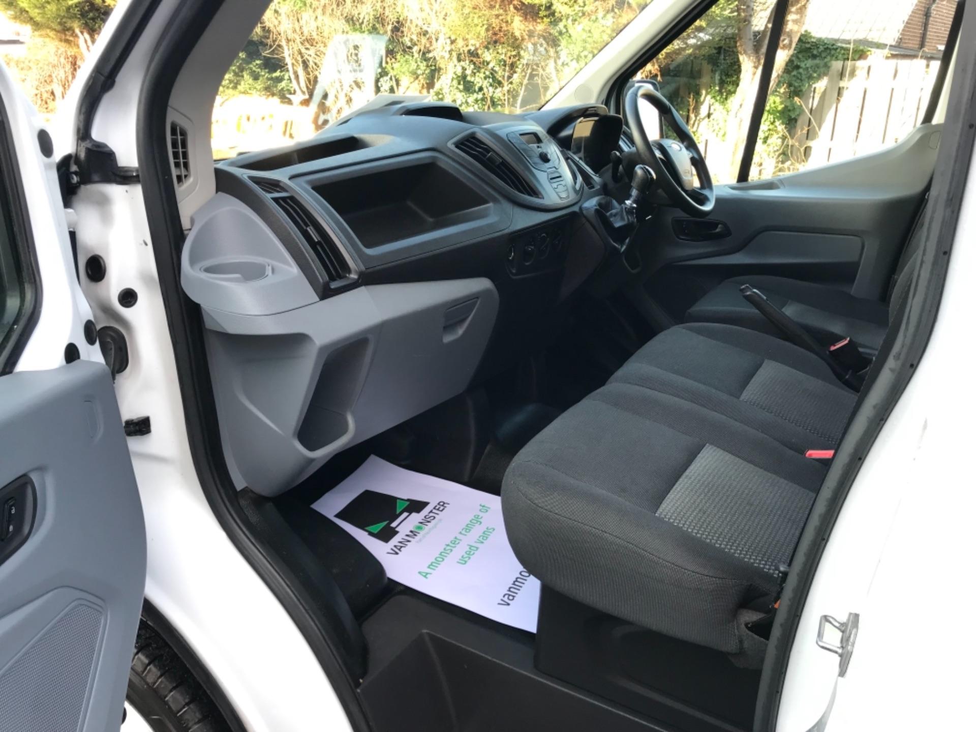 2016 Ford Transit 2.2 Tdci 125Ps Dropside DRW Tail lift (YS66SNU) Image 21