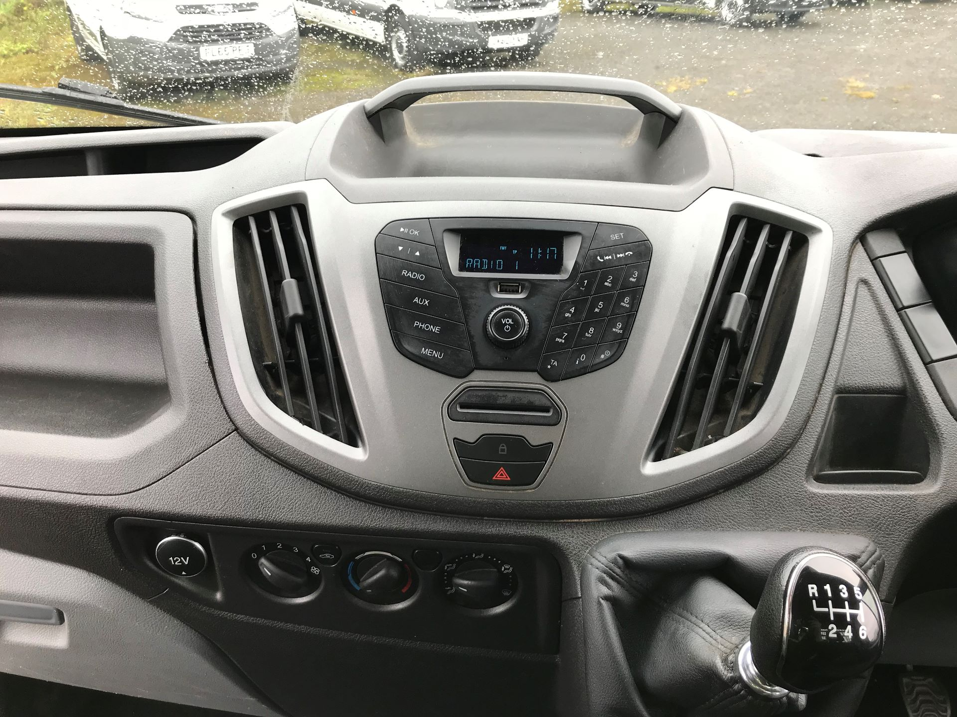 2016 Ford Transit 2.2 Tdci 125Ps Heavy Duty Chassis Cab *VALUE RANGE VEHICLE CONDITION REFLECTED IN PRICE*  (YS66SOE) Image 14