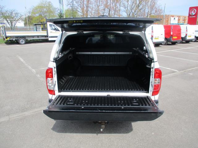 2017 Nissan Navara Double Cab Pick Up Tekna 2.3Dci 190 4Wd (YS67PVJ) Image 6