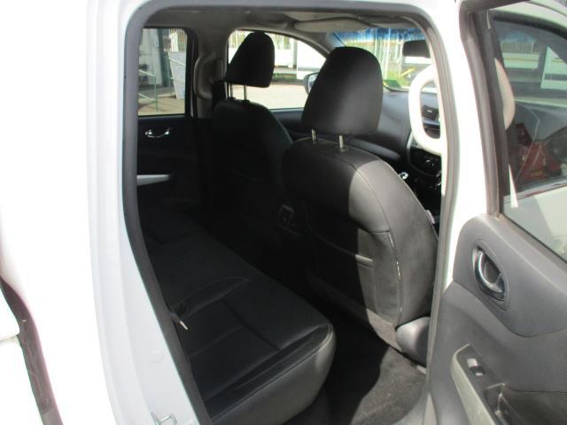 2017 Nissan Navara Double Cab Pick Up Tekna 2.3Dci 190 4Wd (YS67PVJ) Image 3