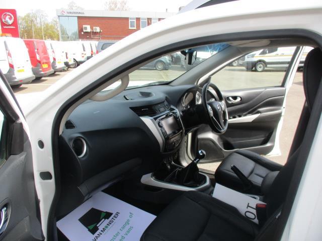 2017 Nissan Navara Double Cab Pick Up Tekna 2.3Dci 190 4Wd (YS67PVJ) Image 17
