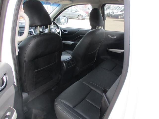 2017 Nissan Navara Double Cab Pick Up Tekna 2.3Dci 190 4Wd (YS67PVJ) Image 9
