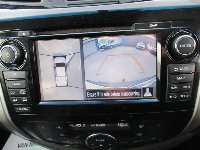2017 Nissan Navara Double Cab Pick Up Tekna 2.3Dci 190 4Wd (YS67PVJ) Image 29