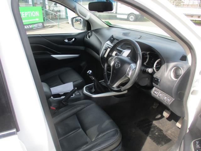 2017 Nissan Navara Double Cab Pick Up Tekna 2.3Dci 190 4Wd (YS67PVJ) Image 12