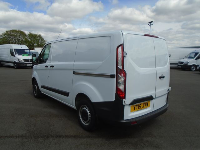2015 Ford Transit Custom  270 L1 DIESEL FWD 2.2 TDCI 100PS LOW ROOF  EURO 5 (YT15JYW) Image 4