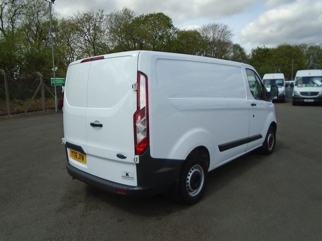 2015 Ford Transit Custom  270 L1 DIESEL FWD 2.2 TDCI 100PS LOW ROOF  EURO 5 (YT15JYW) Image 5