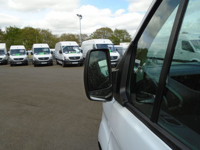 2015 Ford Transit Custom  270 L1 DIESEL FWD 2.2 TDCI 100PS LOW ROOF  EURO 5 (YT15JYW) Image 11