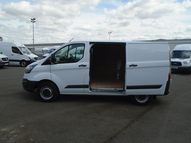 2015 Ford Transit Custom  270 L1 DIESEL FWD 2.2 TDCI 100PS LOW ROOF  EURO 5 (YT15JYW) Image 10