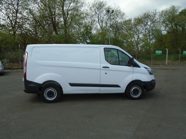 2015 Ford Transit Custom  270 L1 DIESEL FWD 2.2 TDCI 100PS LOW ROOF  EURO 5 (YT15JYW) Image 8