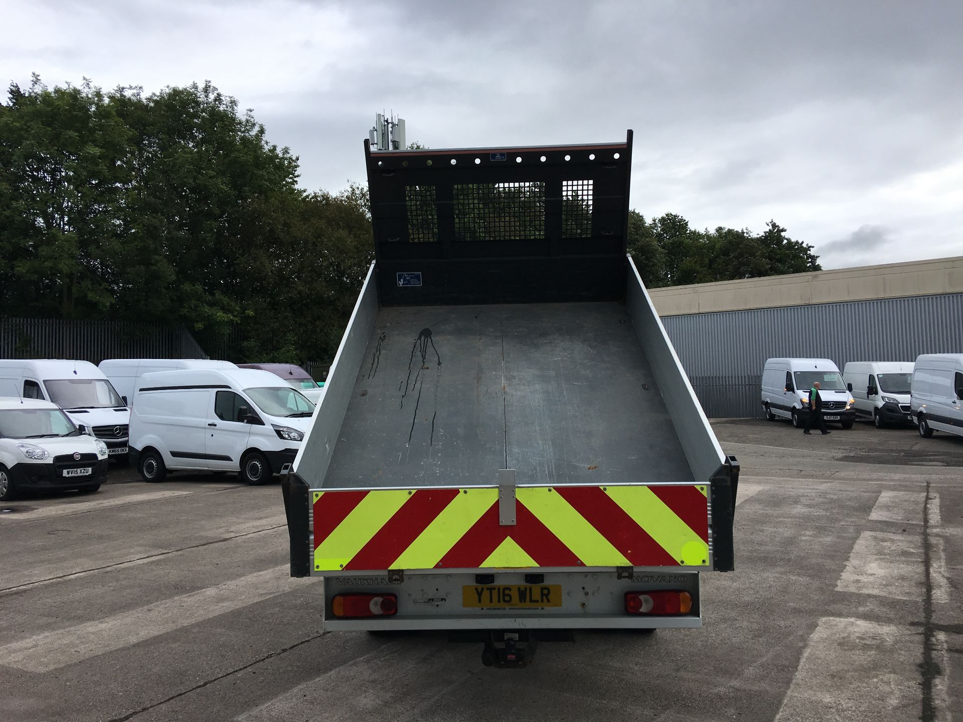 2016 Vauxhall Movano 35 L3 DIESEL RWD 2.3 CDTI 125PS D/CAB TIPPER EURO 5 (YT16WLR) Image 16